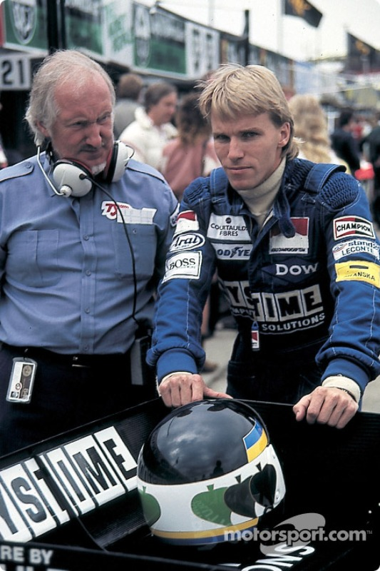f1-british-gp-1984-stefan-johansson-with-tyrrell-designer-maurice-philippe.jpg
