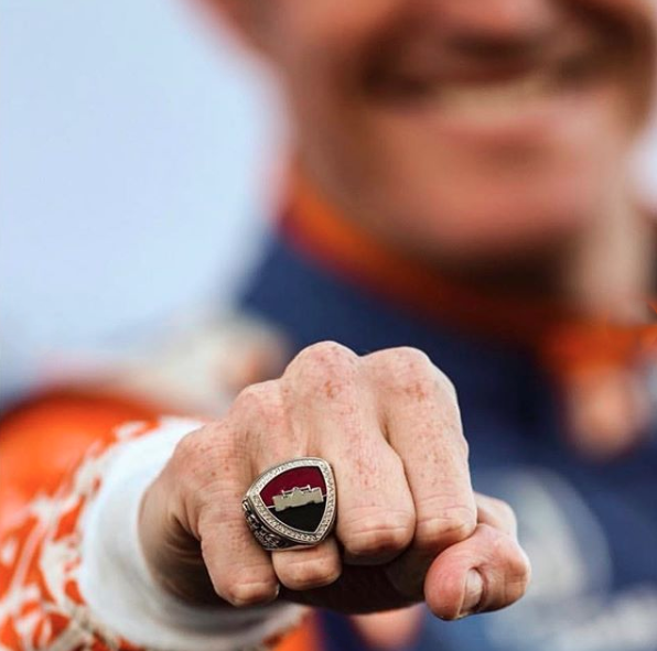 scott-dixon-5-champ-02.png