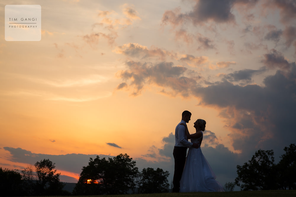 Absolute bliss! What a beautiful sunset for Ashley + Patrick's big day.