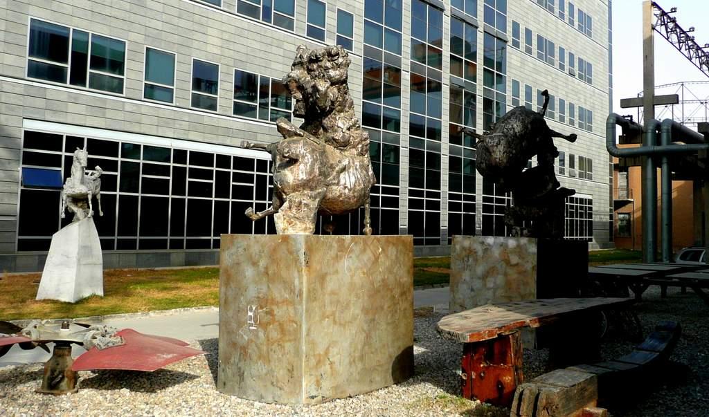 798 sculpture