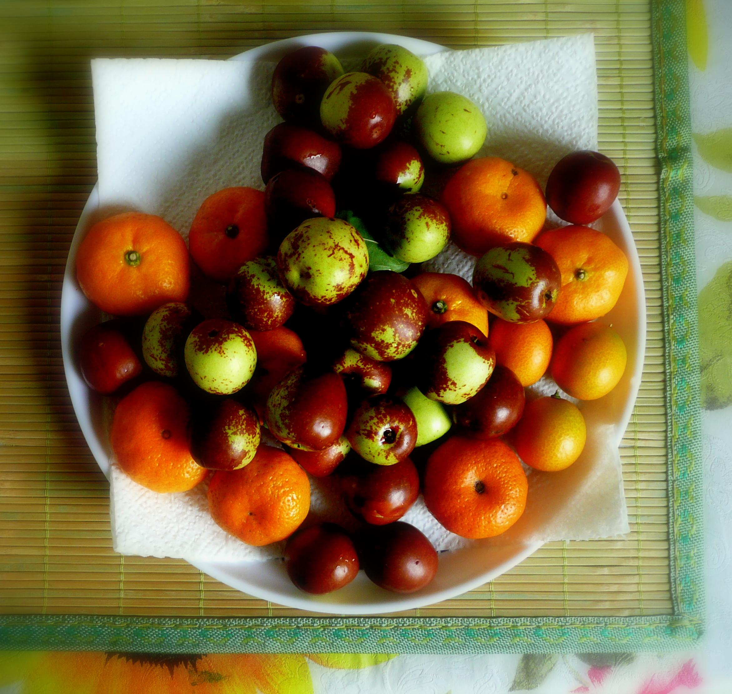mandarin oranges and jujube