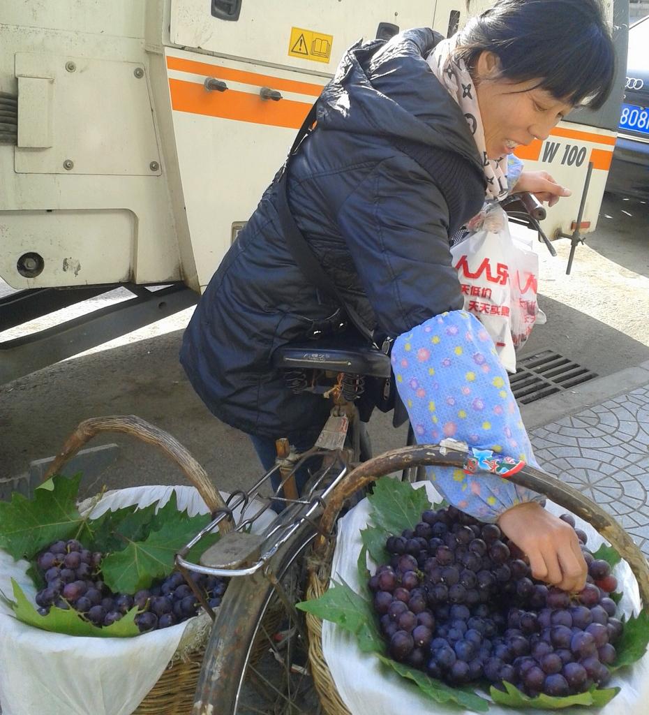 Grape seller