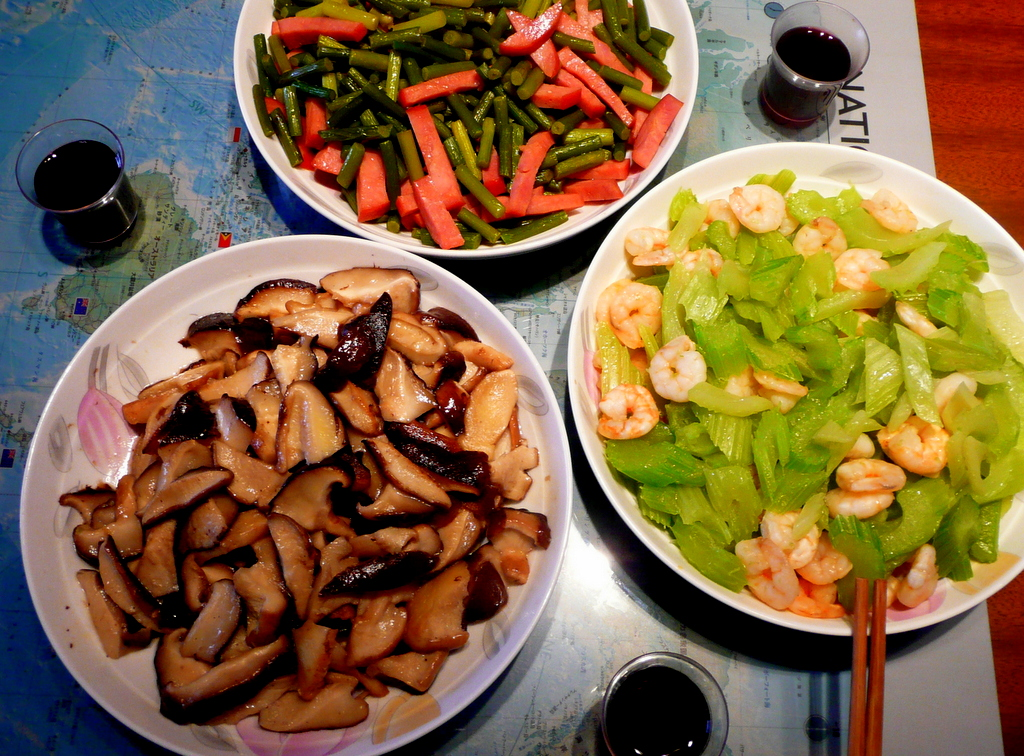 Suan tai huo tui Ham and garlic, Mogu Mushroom, Qin cai xia reng Celery with shrimp