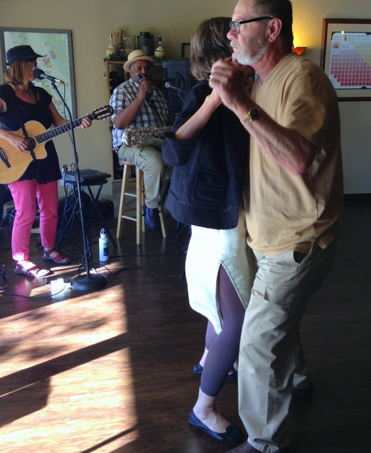 Sha Li and fan Mark Block dance to Allison and Victor live at Westside Wines.