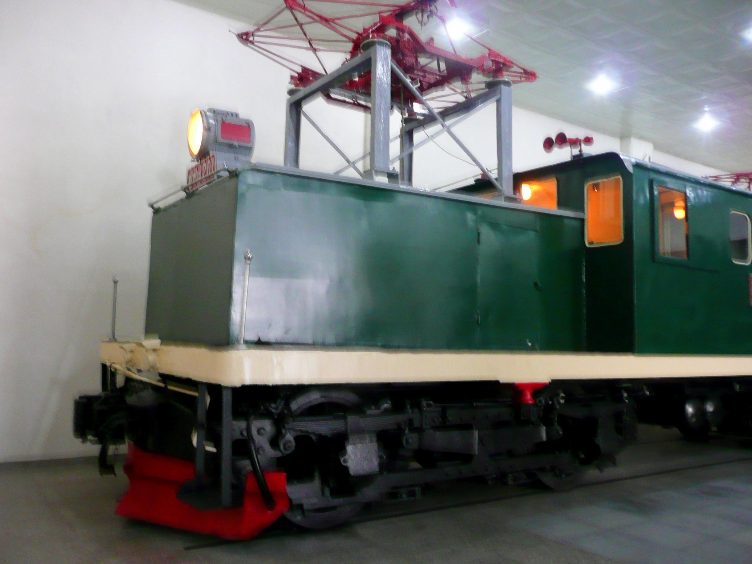 Catenary on push-pull engine