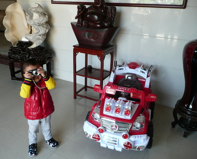 Secretary General Keying's darling princeling son with his Mercedes fire engine