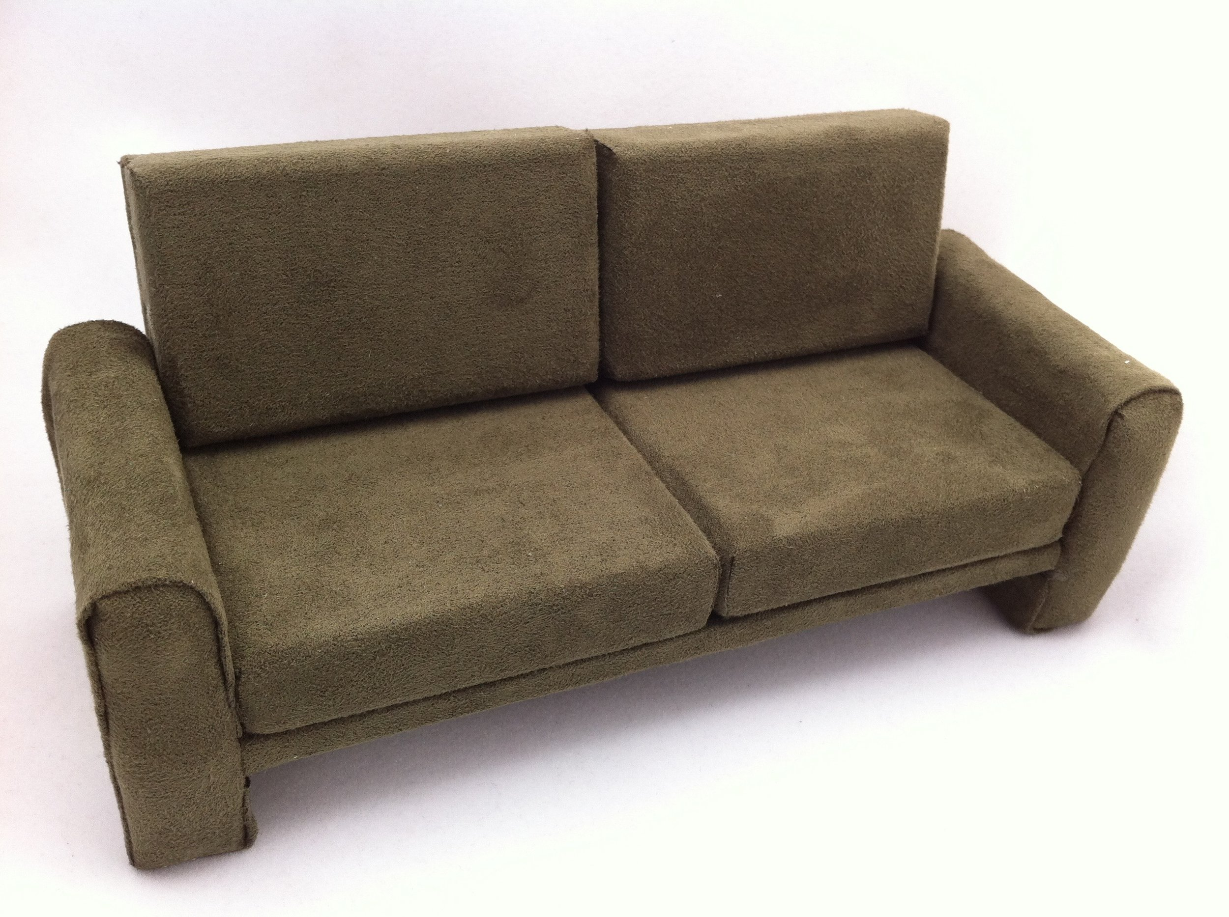 9_couch.jpg