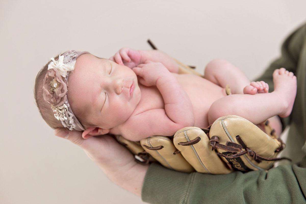 baby-girl-baseball-glove-knoxville-photographer.jpg