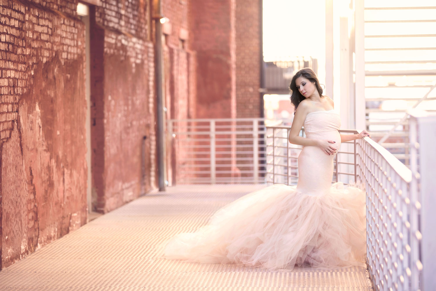knoxville-photographer-urban-downtown-maternity-gown.jpg