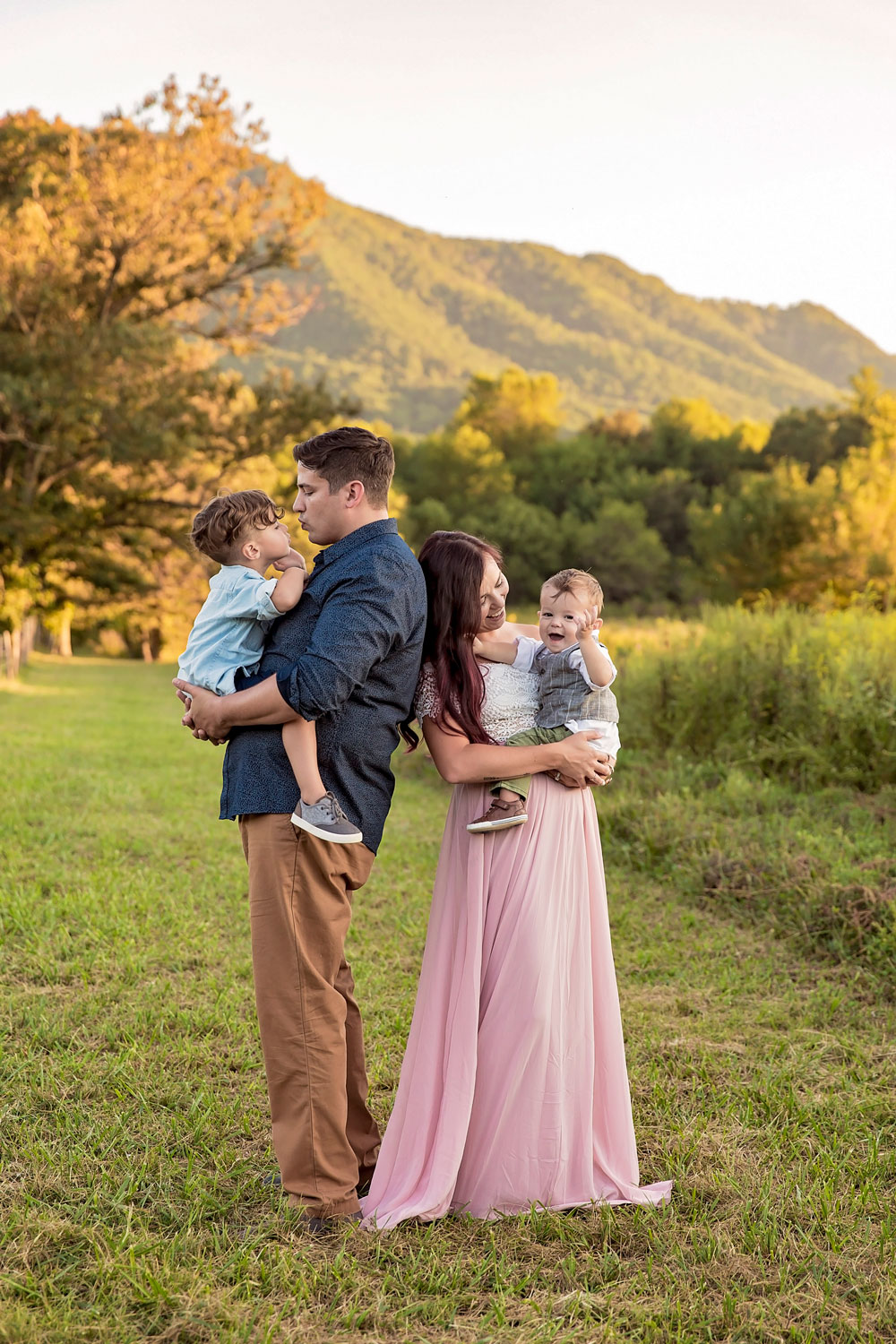 knoxville-family-photographer-candid-picture-smoky-mountains.jpg