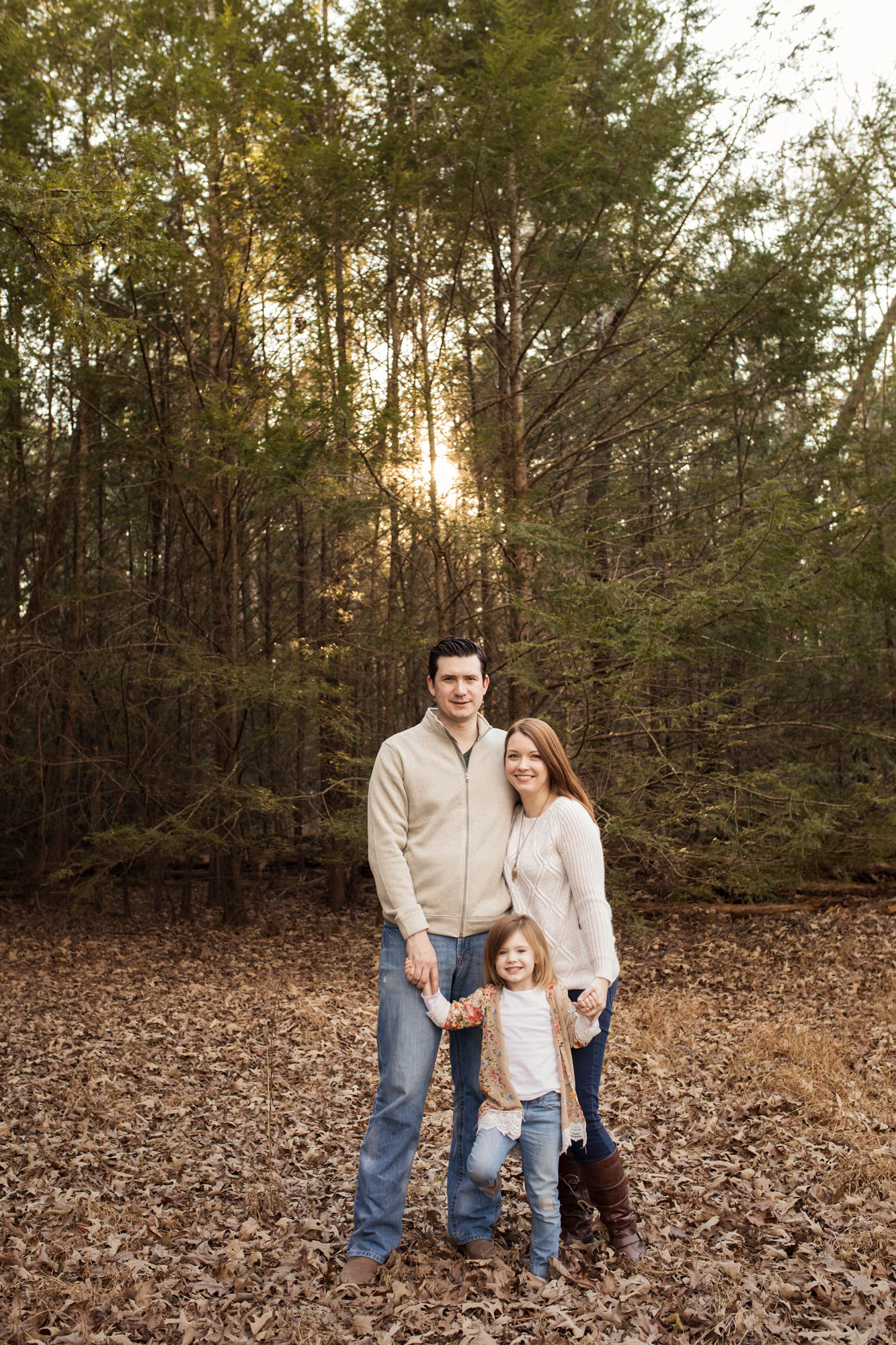 smoky-mountain-photographer-family-in-woods.jpg