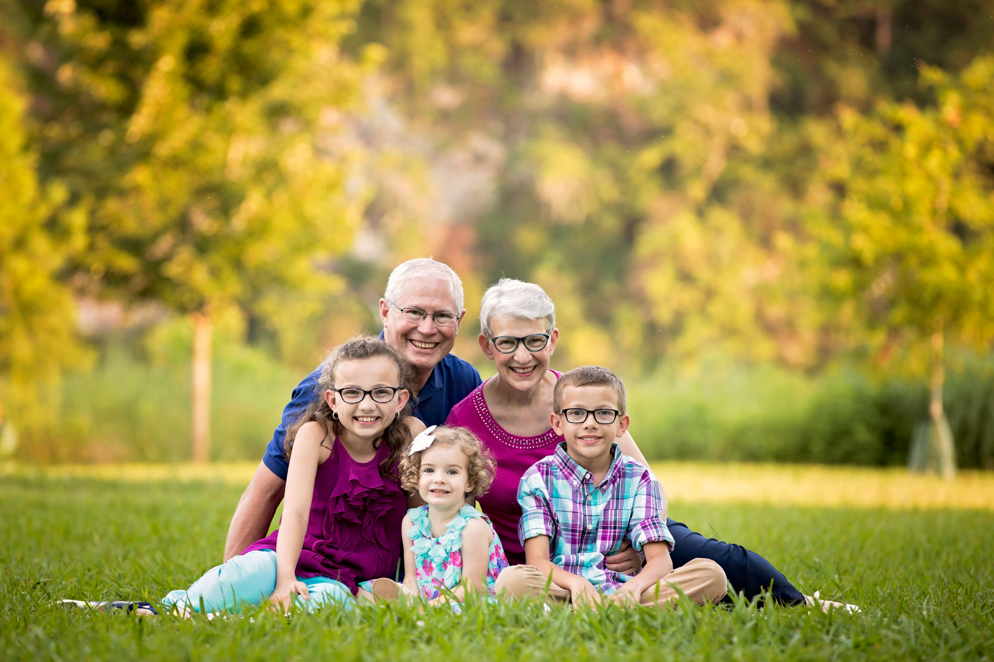 knoxville-family-reunion-photographer-grandparents-with-grandchildren.jpg