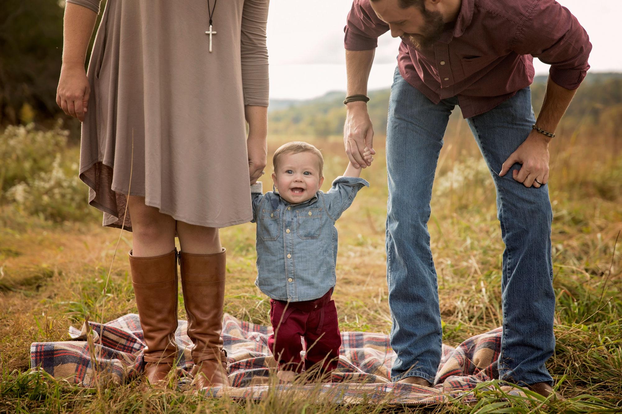 gatlinburg-family-photographers-candid-pose.jpg