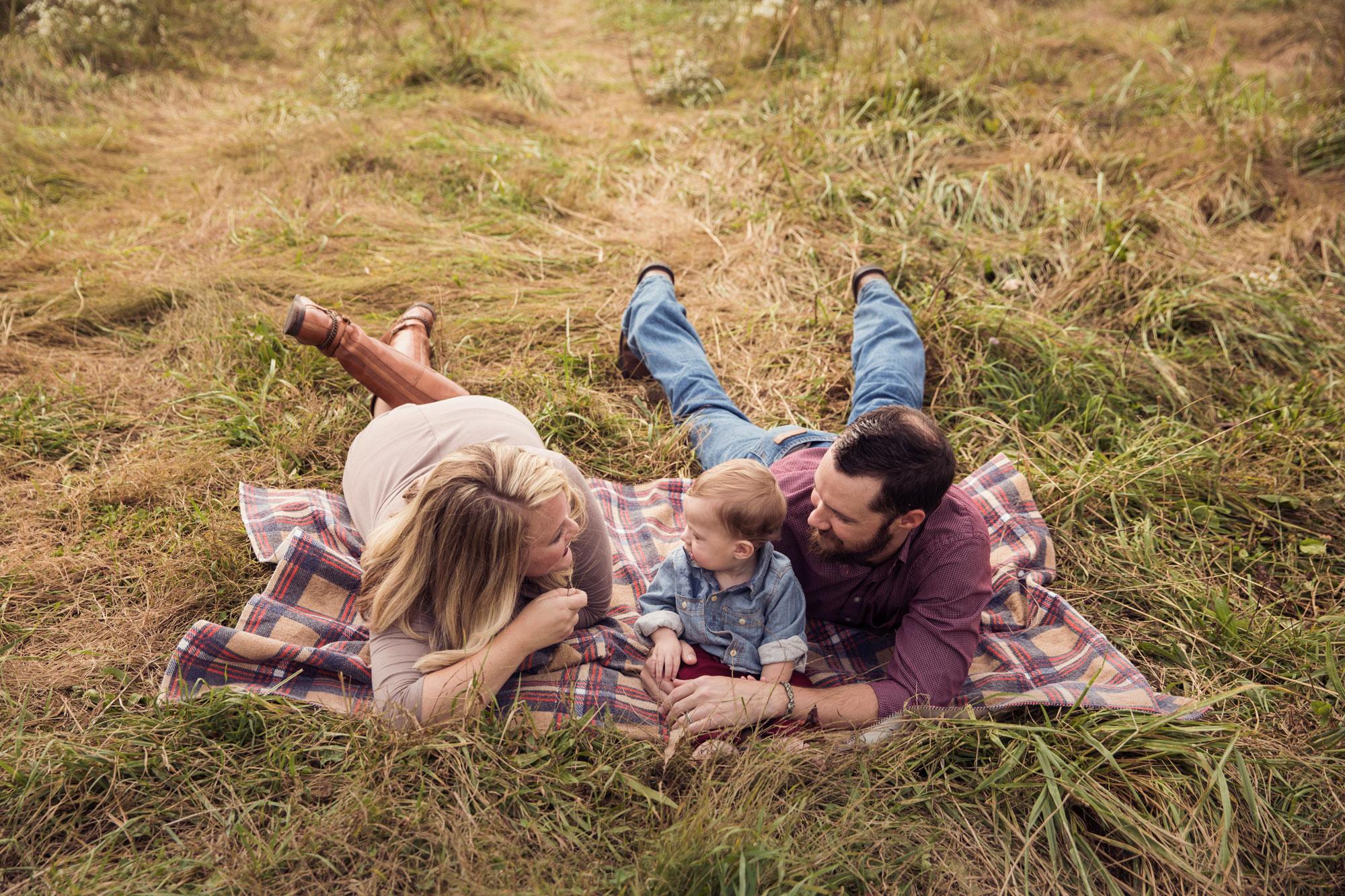 gatlinburg-photographer-family-picture-in-grass.jpg