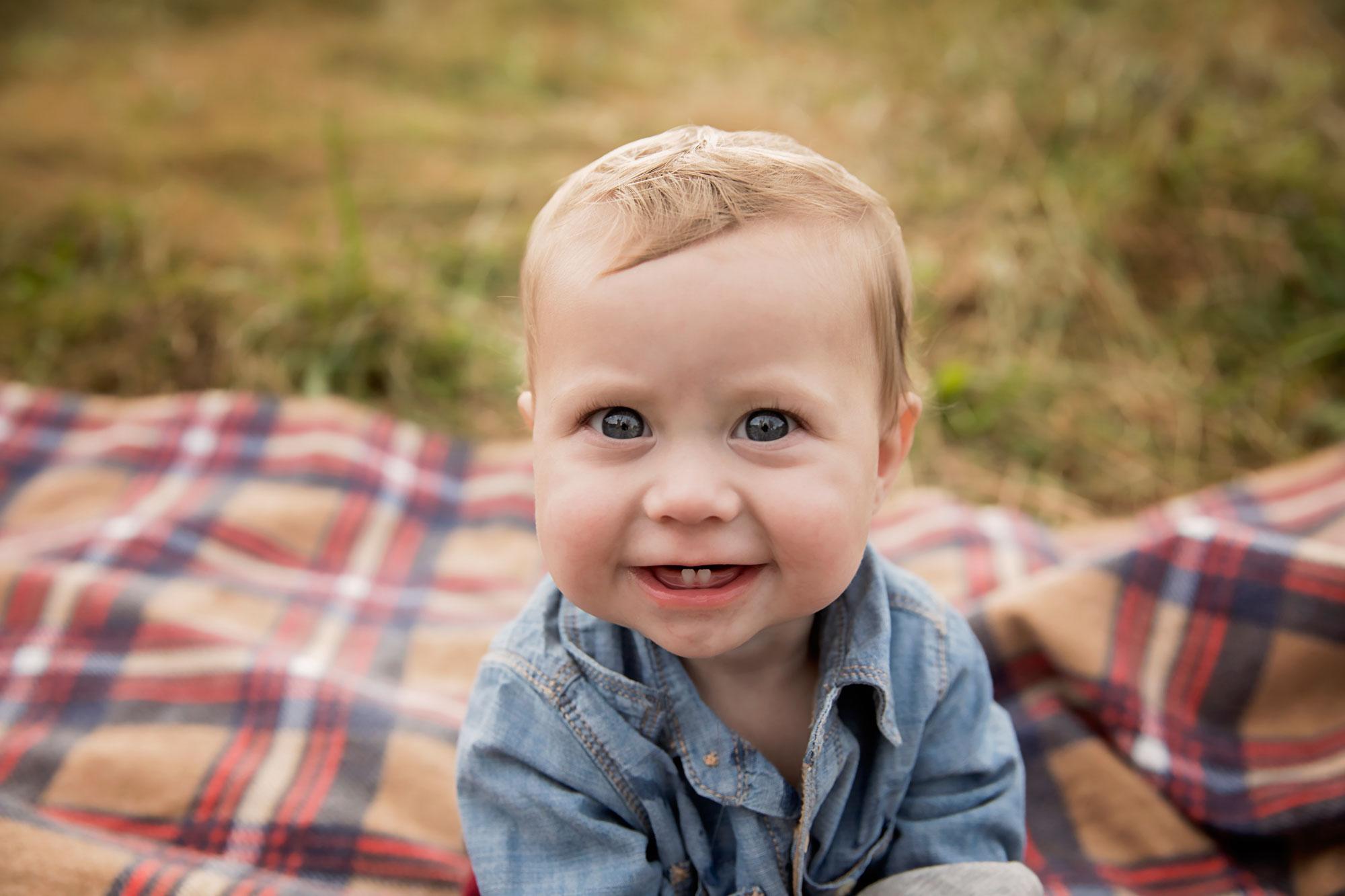 gatlinburg-baby-smiling-photographer.jpg