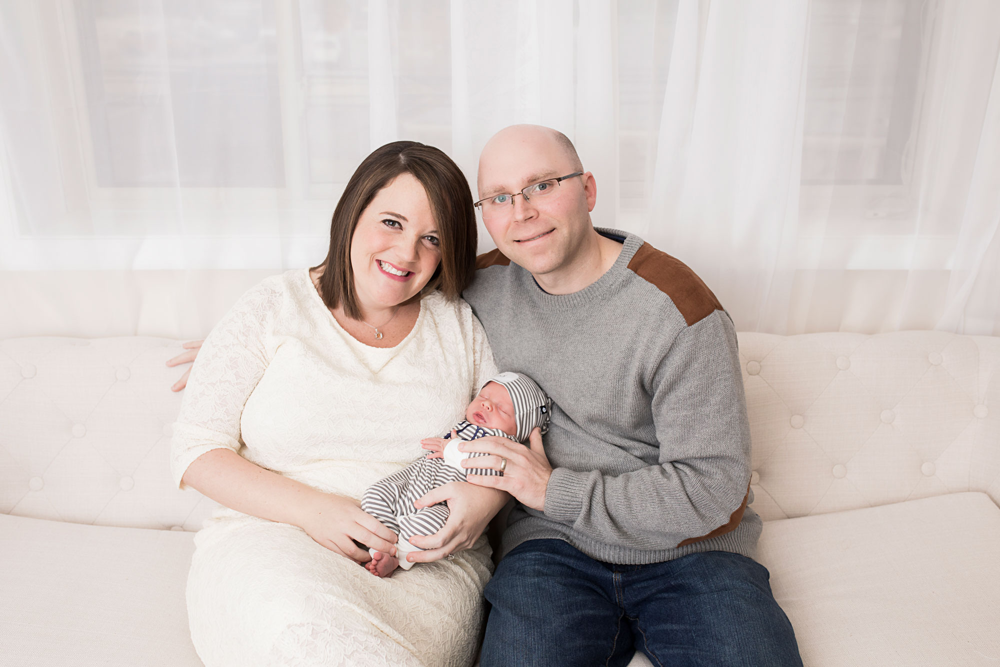 knoxville-newborn-photographer-new-parents.jpg