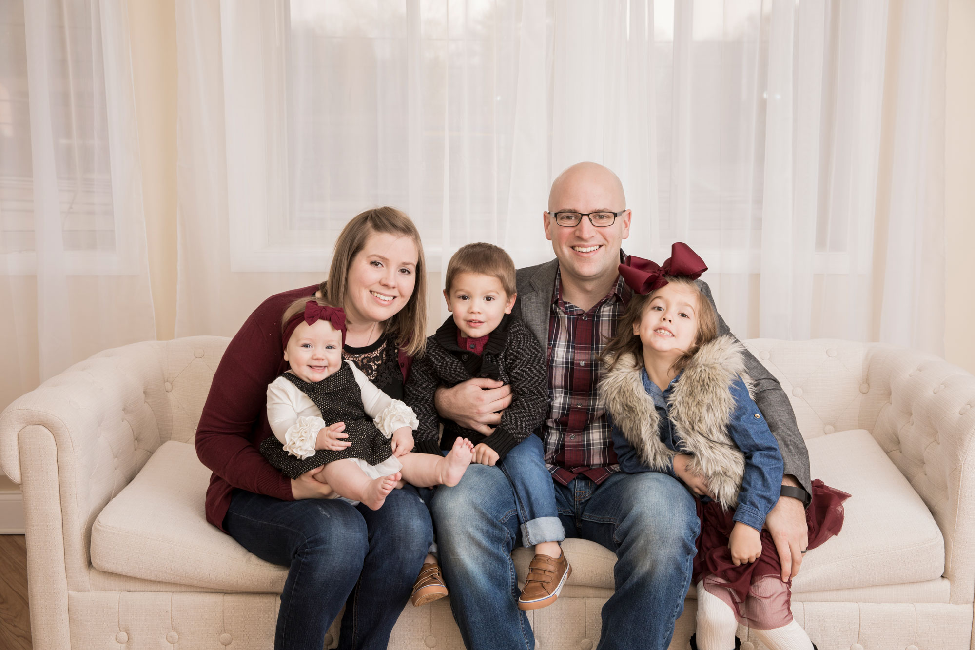 knoxville-family-of-five-in-studio.jpg