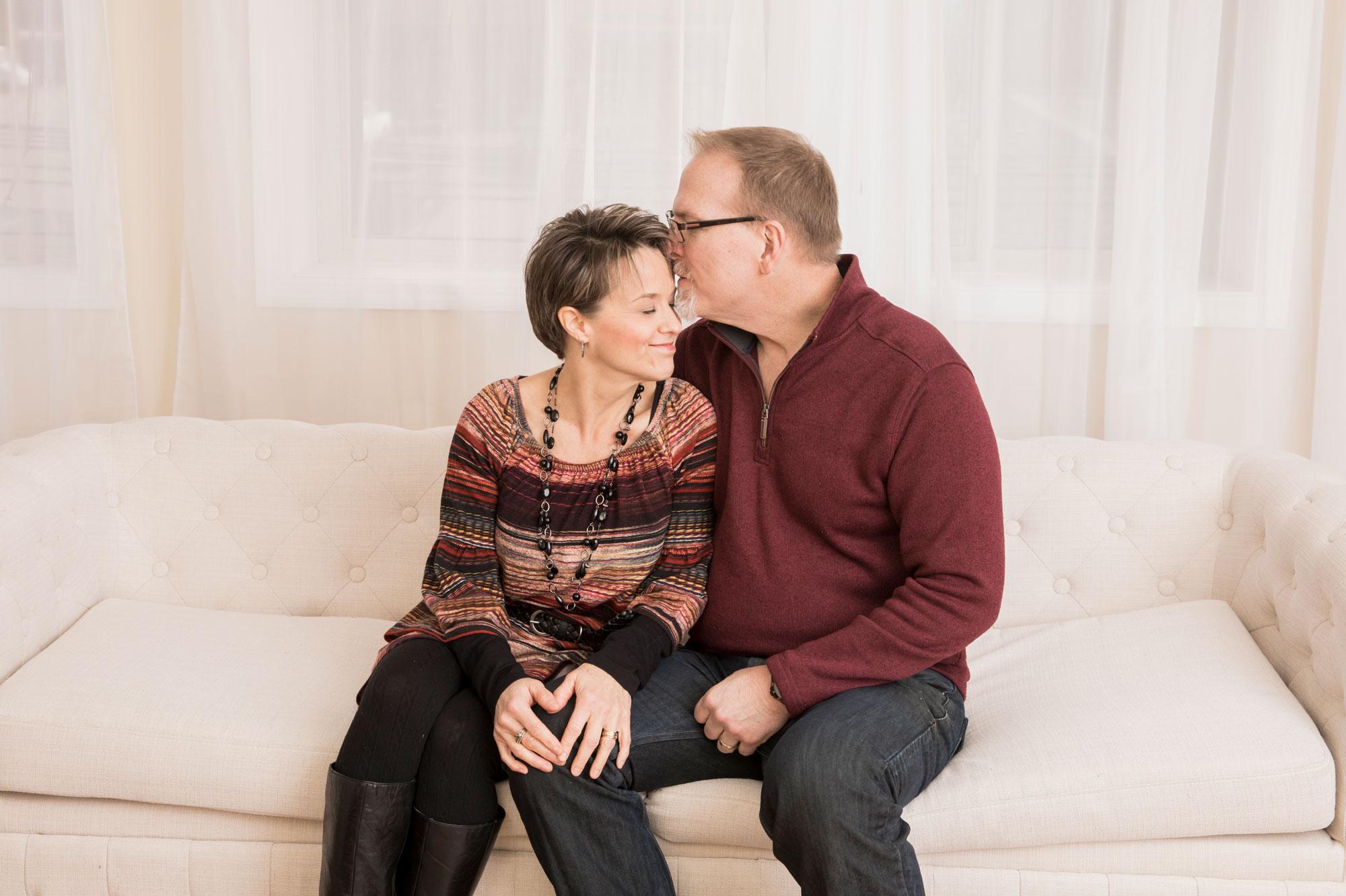 knoxville-studio-photographer-couple.jpg