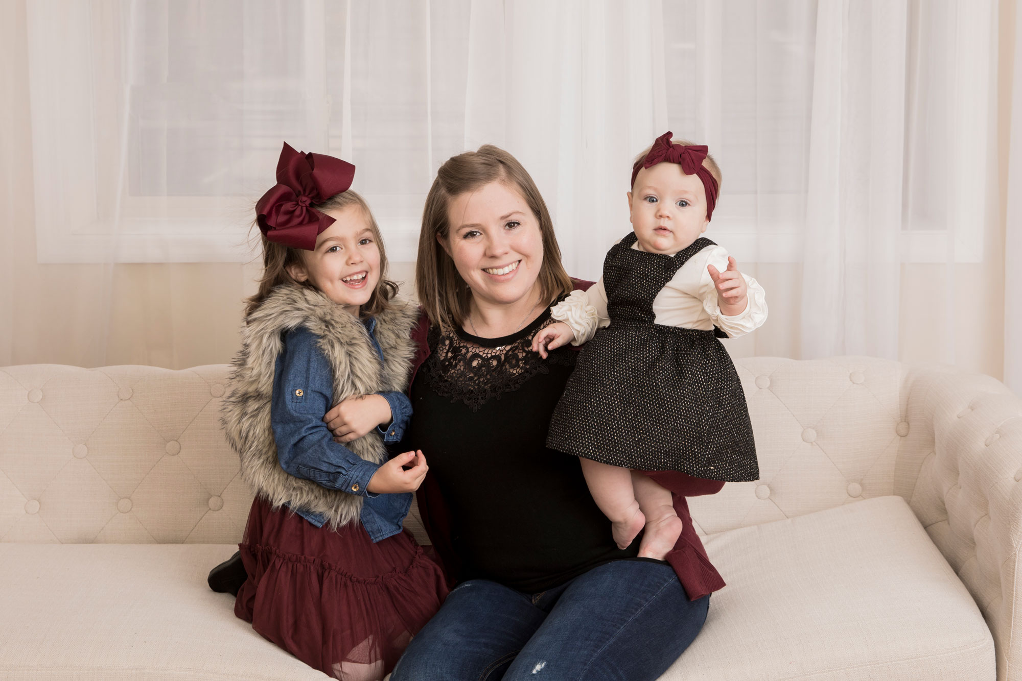 knoxville-studio-photographer-mom-and-daughters.jpg