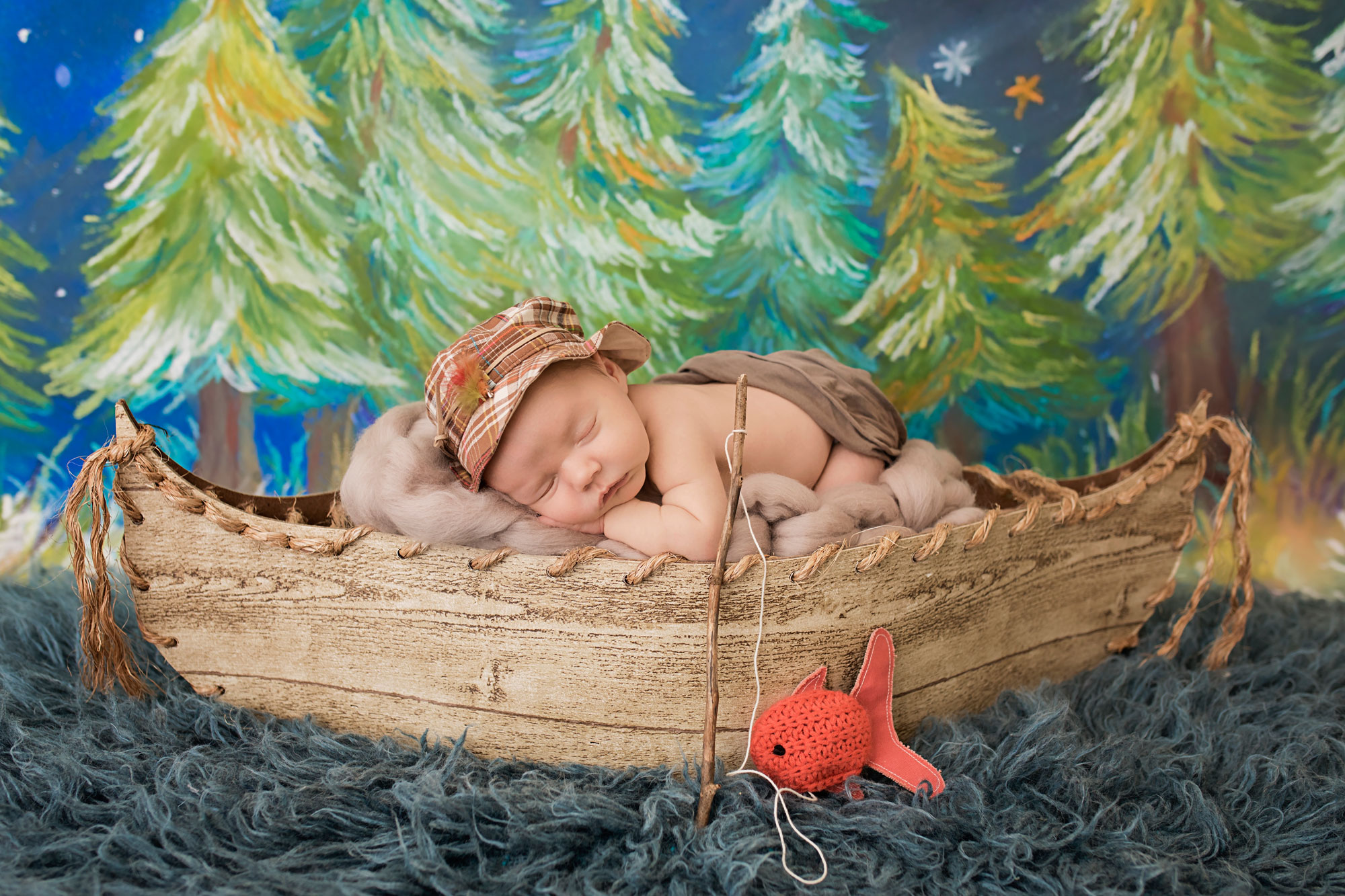 knoxville-newborn-fishing-prop-boat.jpg
