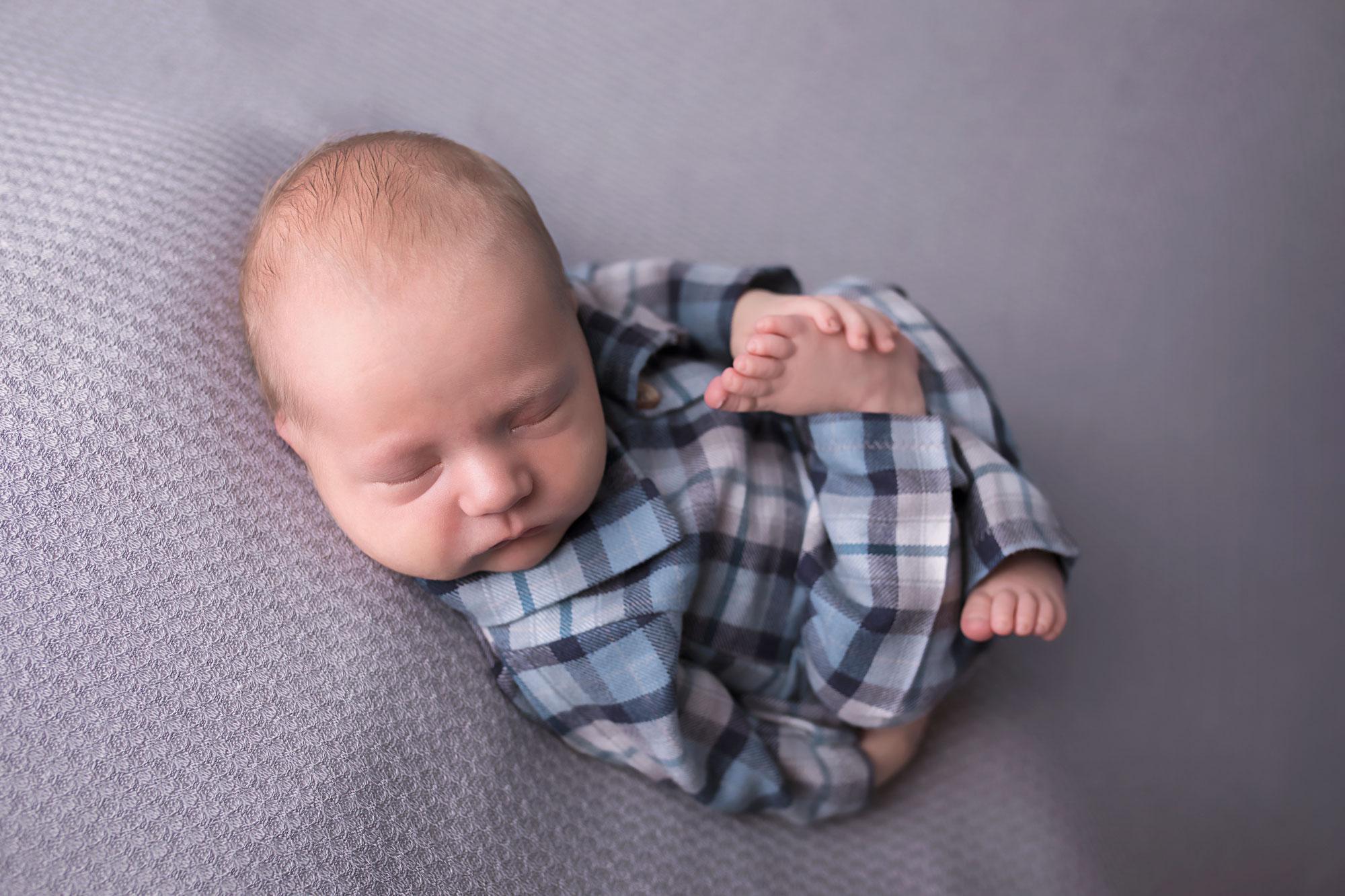 knoxville-newborn-photographer-studio-pajamas.jpg