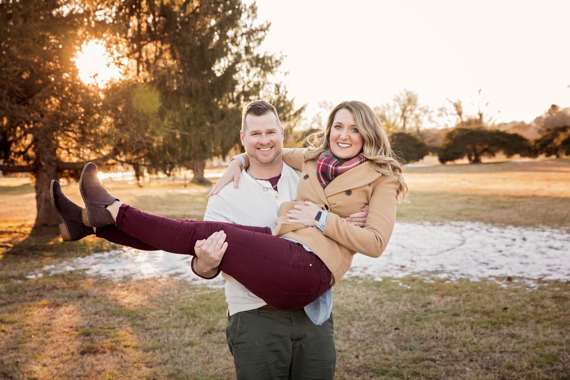 gatlinburg-photographer-couple-picture-goldren-hour.jpg
