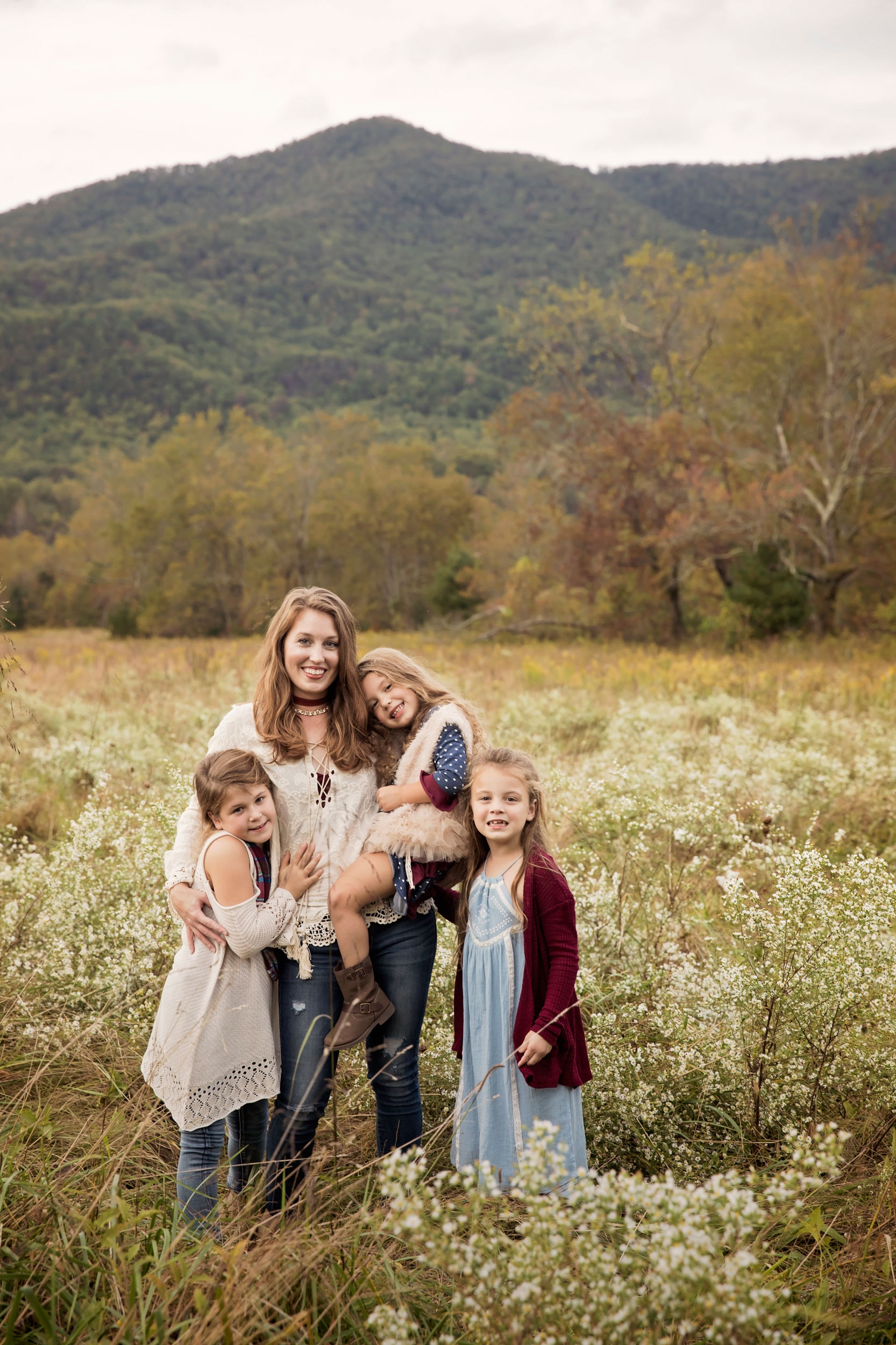 smoky-mountain-family-pictures-mom-daughter.jpg