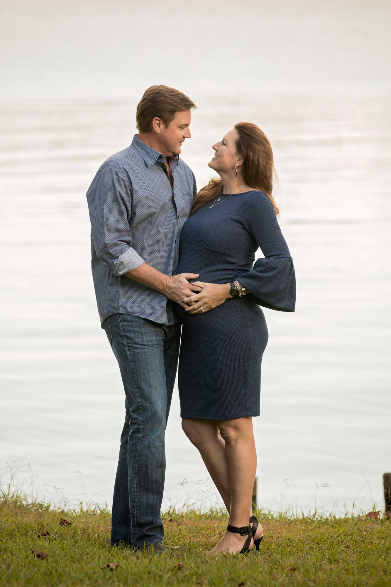 knoxville-maternity-photographer-the-cove-concorn-park-lake.jpg