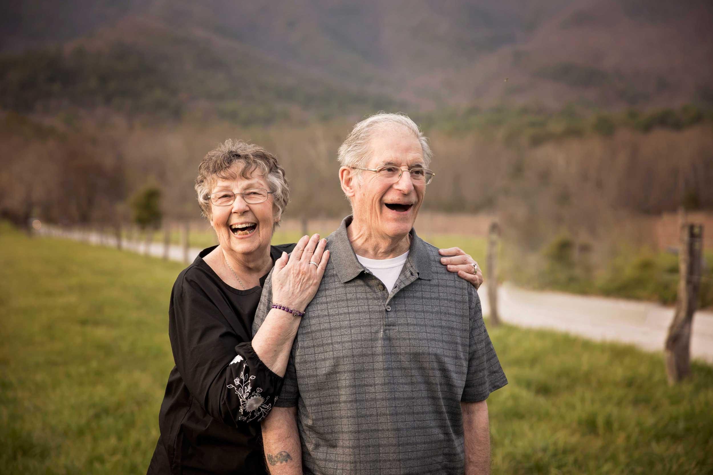 gatlinburg-photographer-couple-anniverasary.jpg