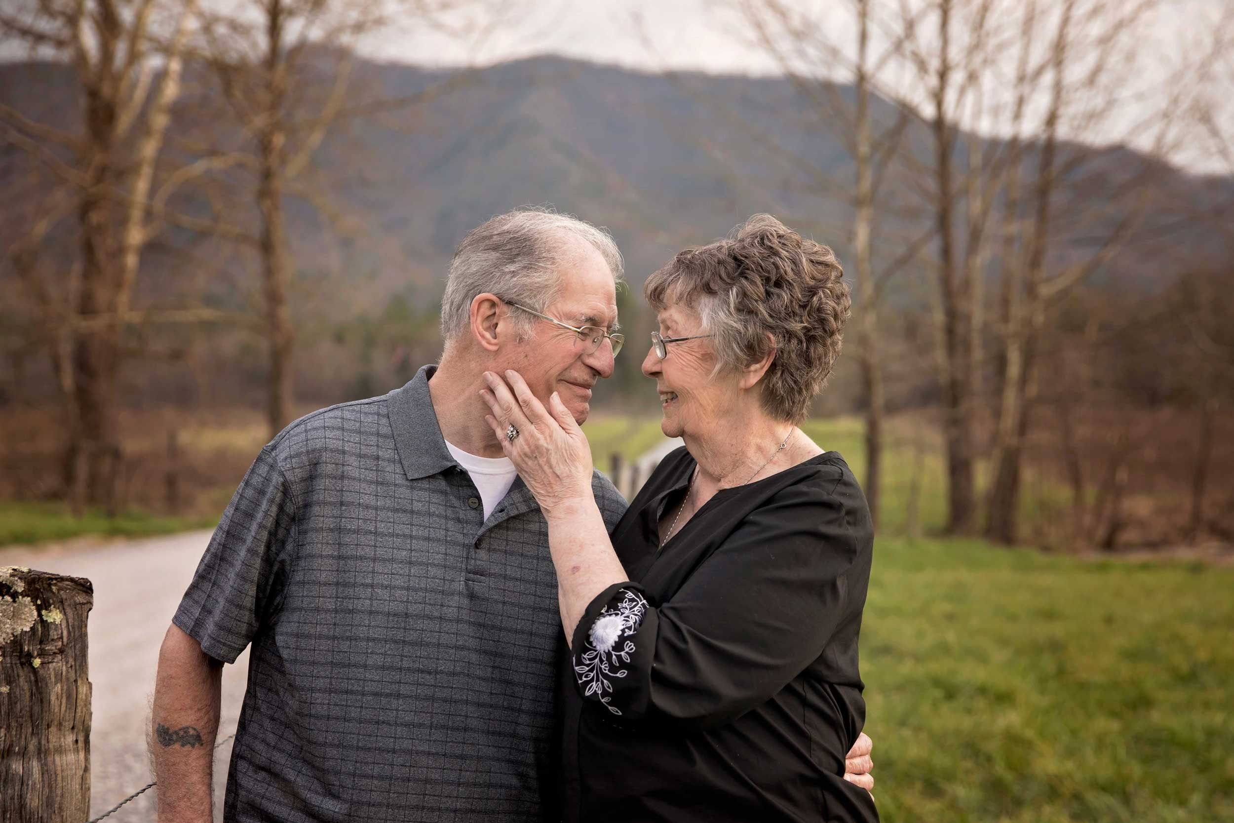 pigeon-forge-photographer-couple-portraits.jpg