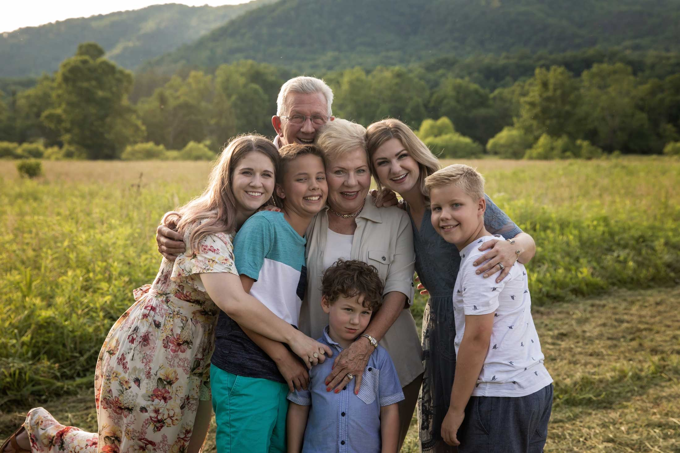 gatlinurg-family-photographer-grandparent-.jpg