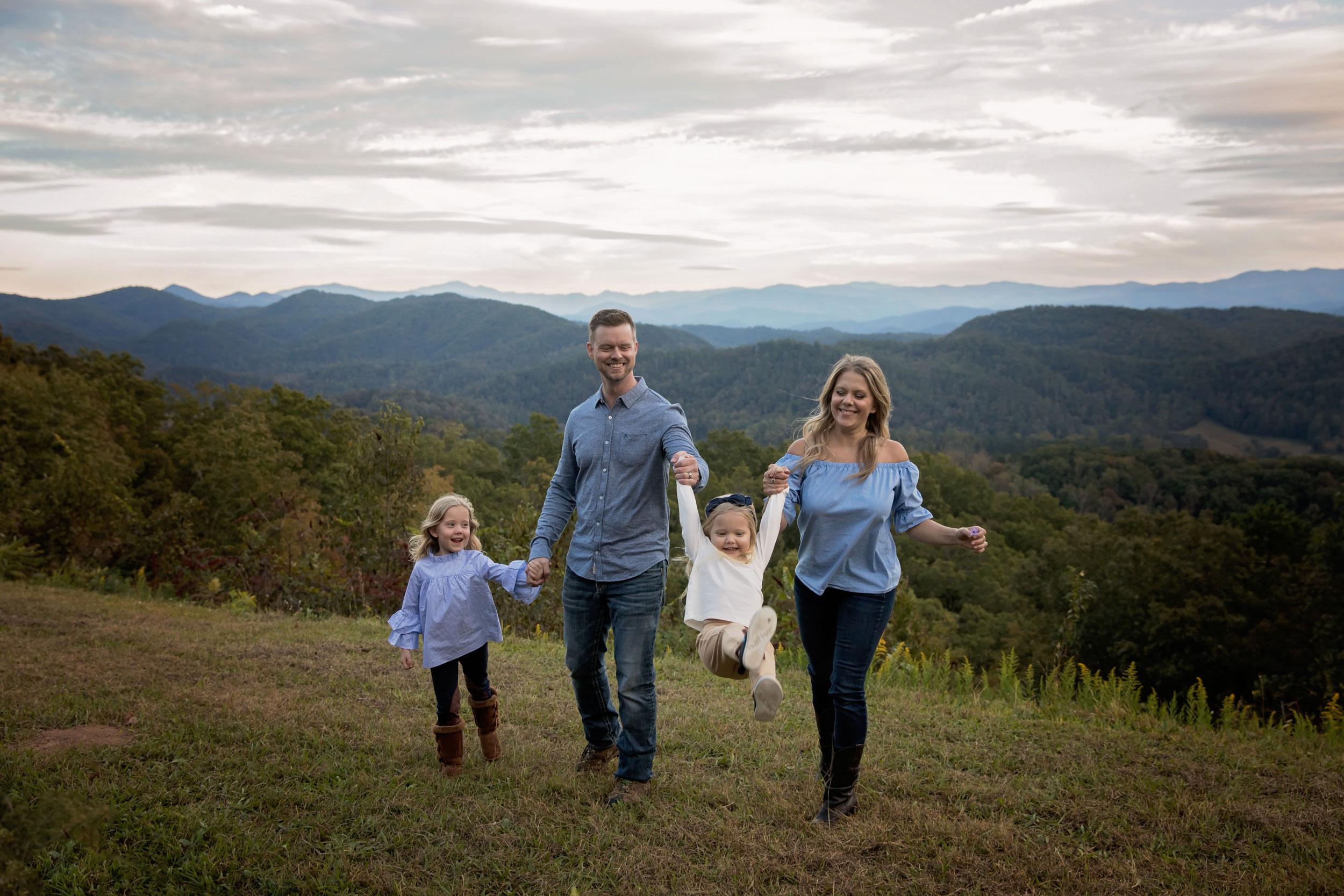 gatlinburg-photographer-smoky-mountain-family-vacation.jpg