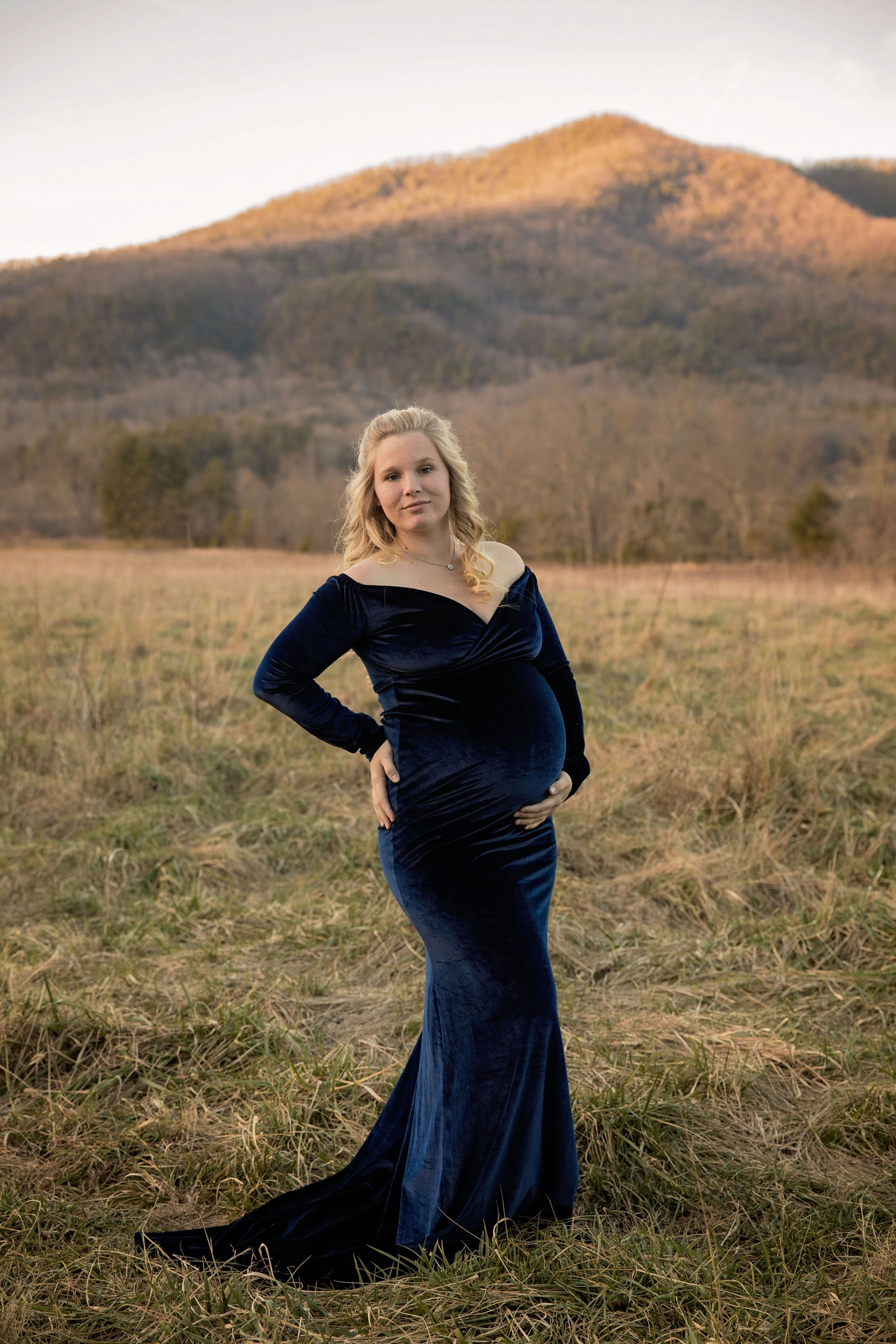 gatlinburg-maternity-photography-smoky-mountains.jpg
