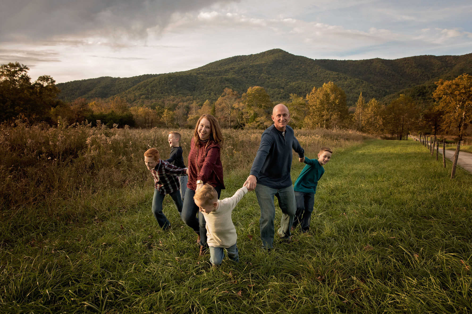 candid-family-pictures-gatlinburg-tn.jpg