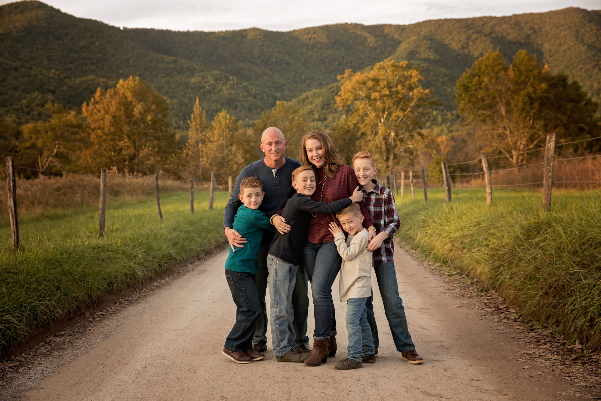 cades-cove-photographer-family-pictures.jpg