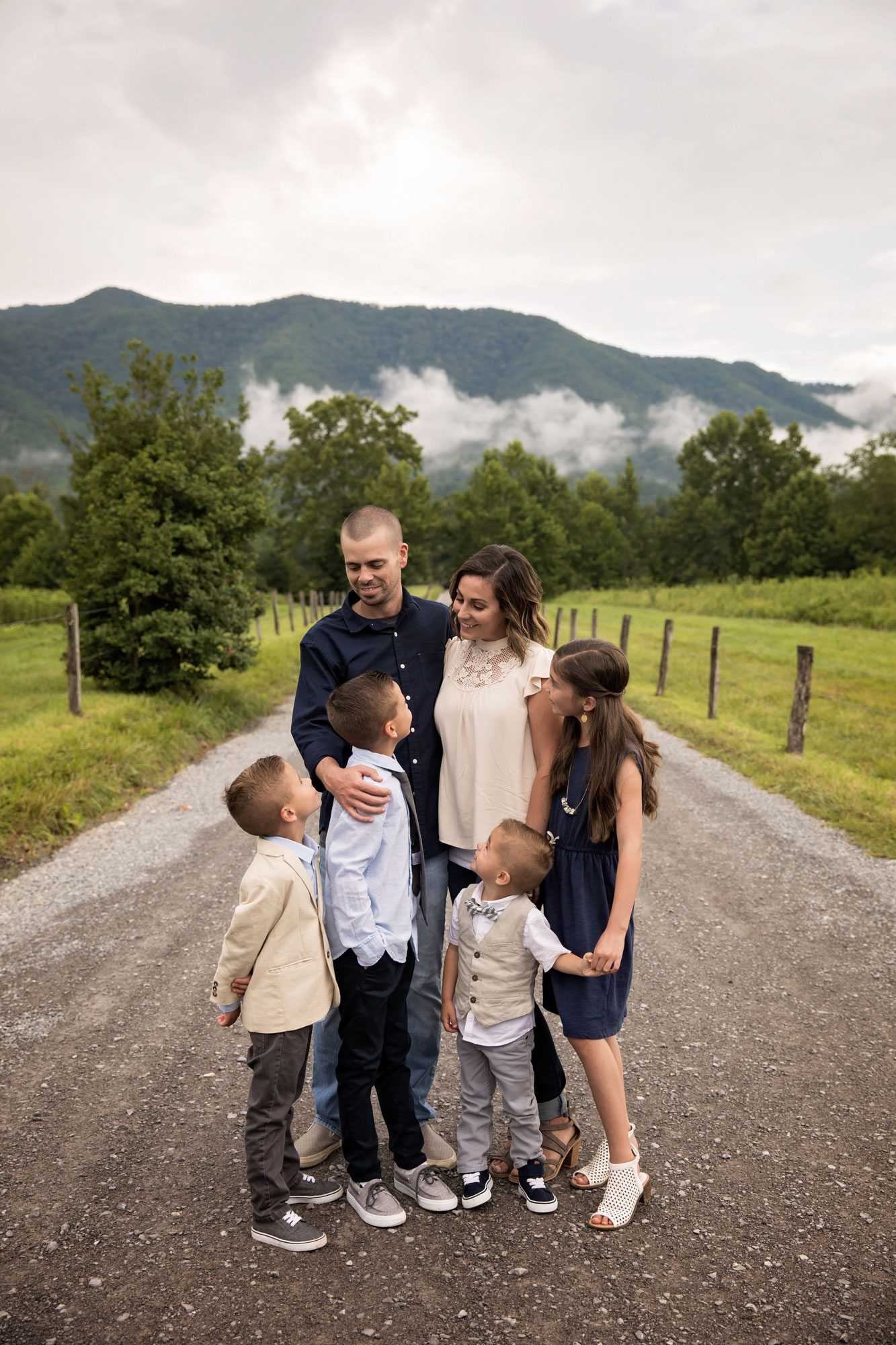 cades-cove-family-picture-photographers.jpg