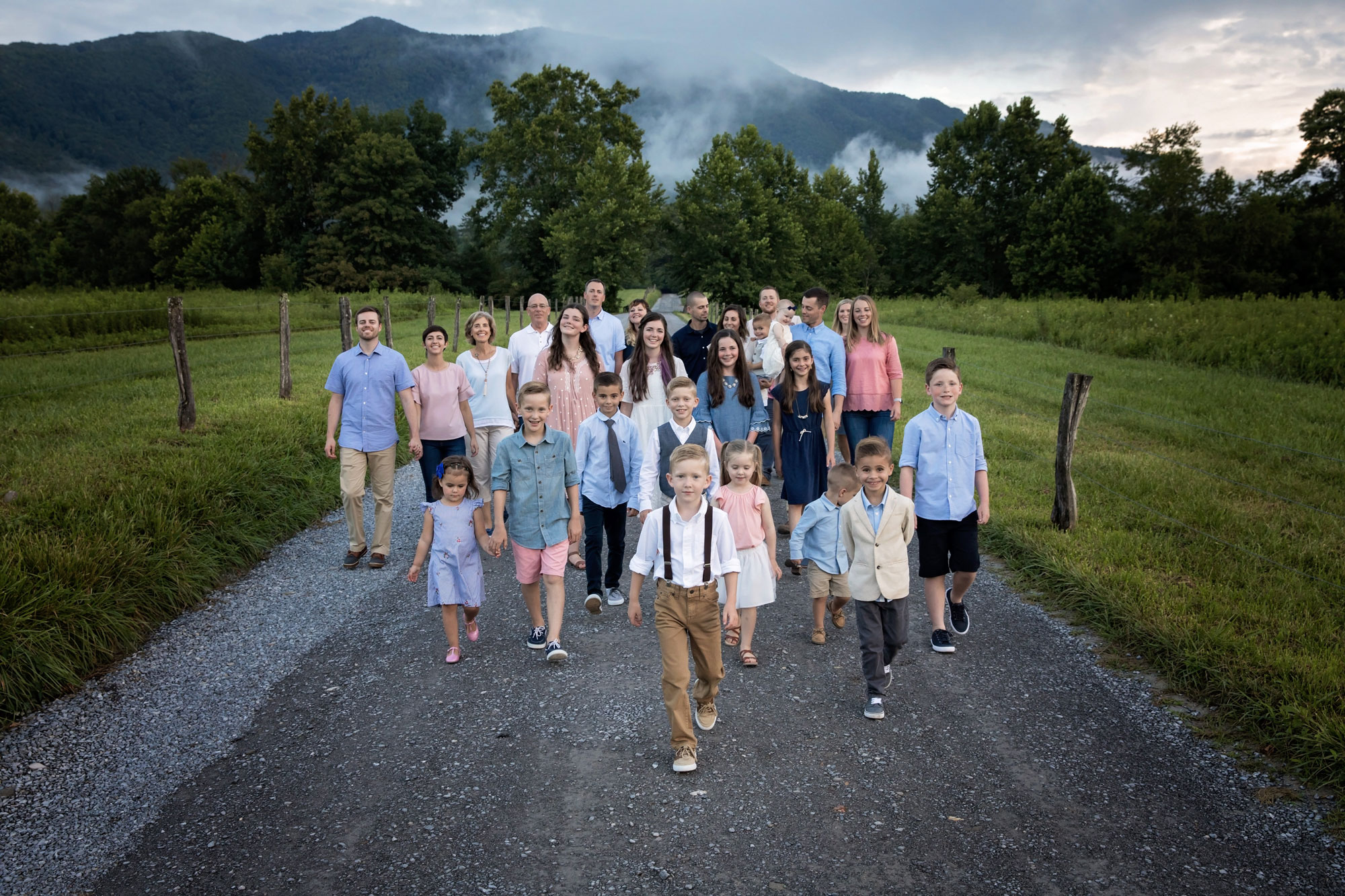 candid-large-family-portrait-smoky-mountains.jpg