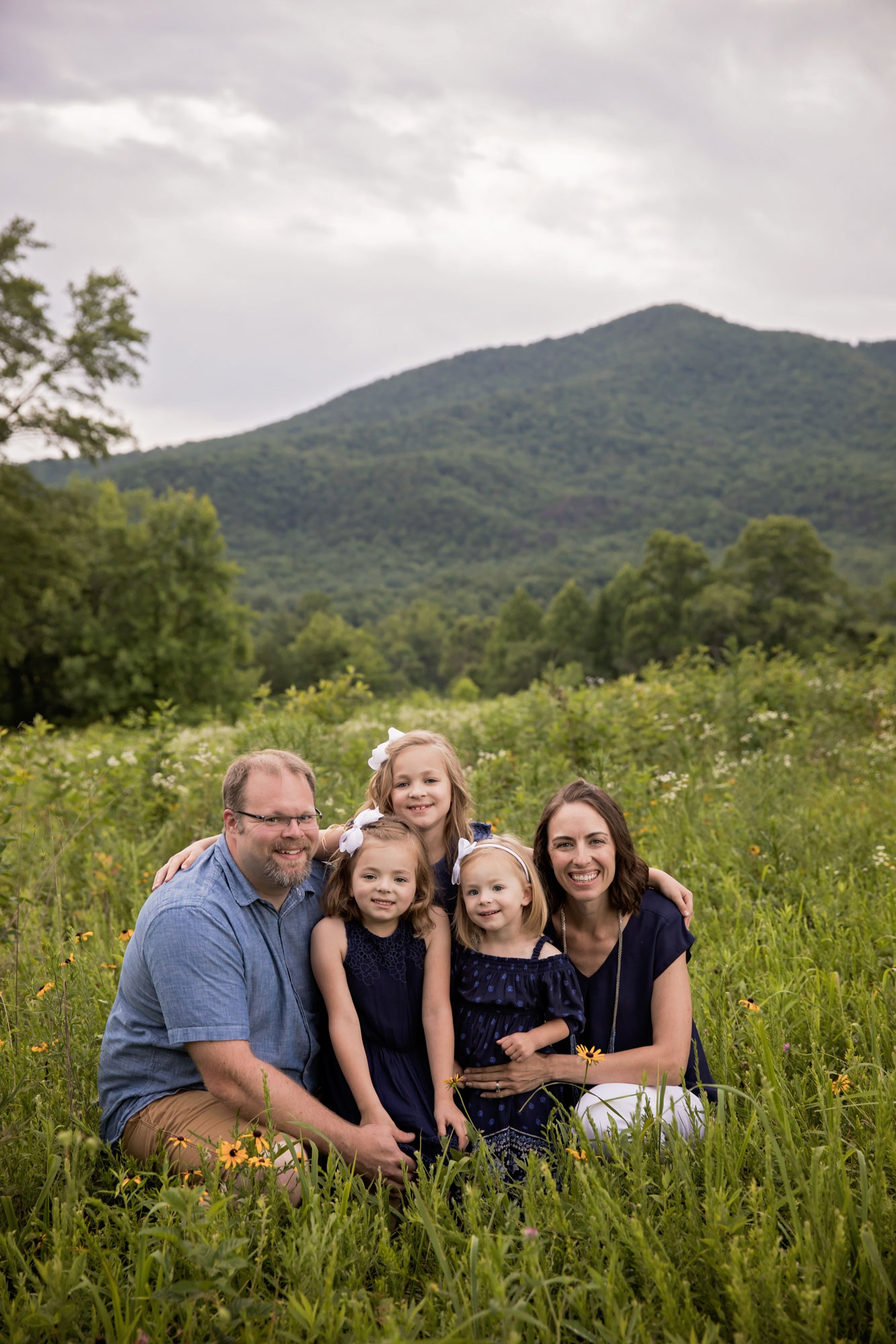 family-portrait-smoky-mountains.jpg