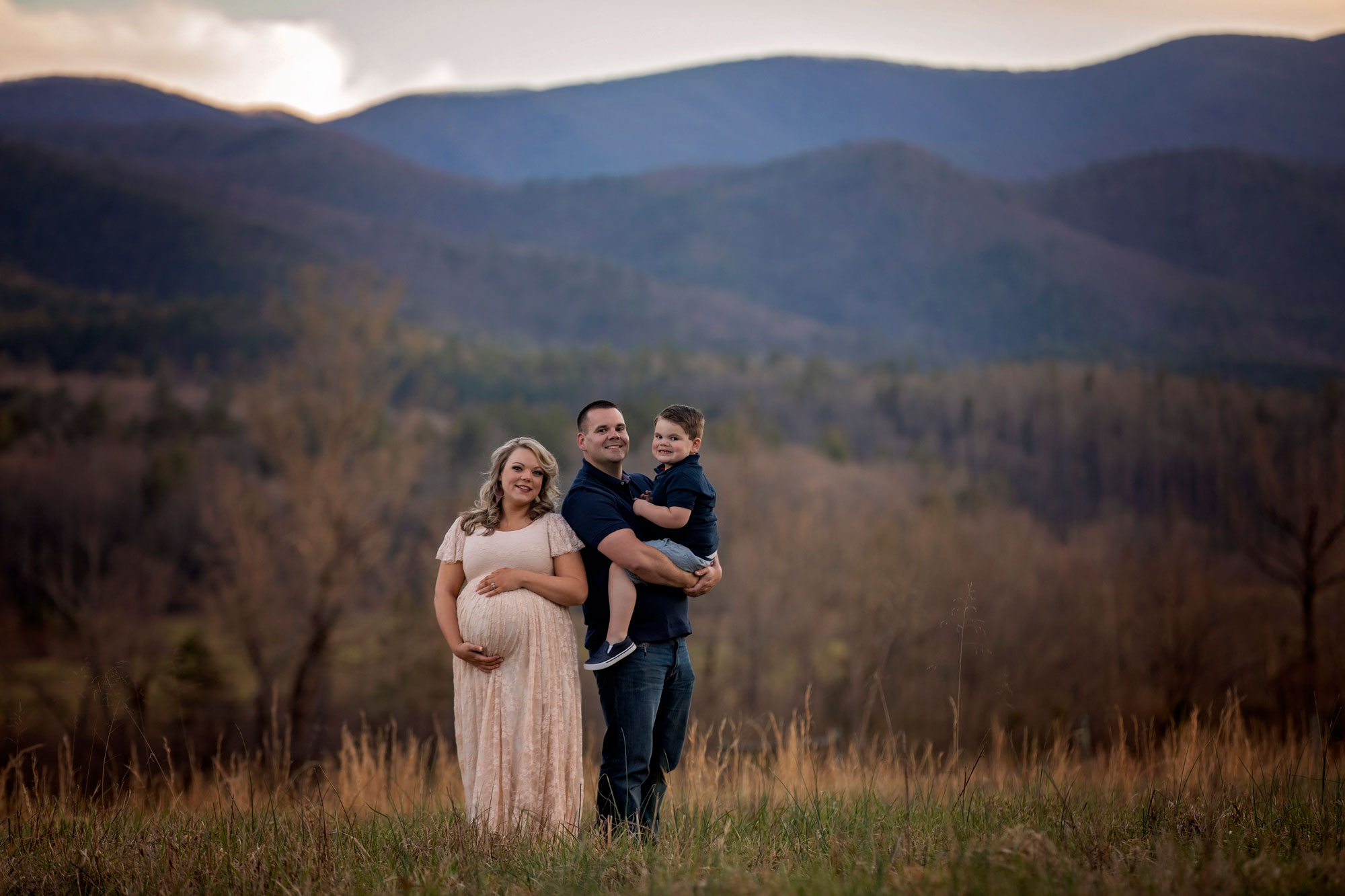 cades-cove-photographer-smoky-mountain-family-portrait.jpg
