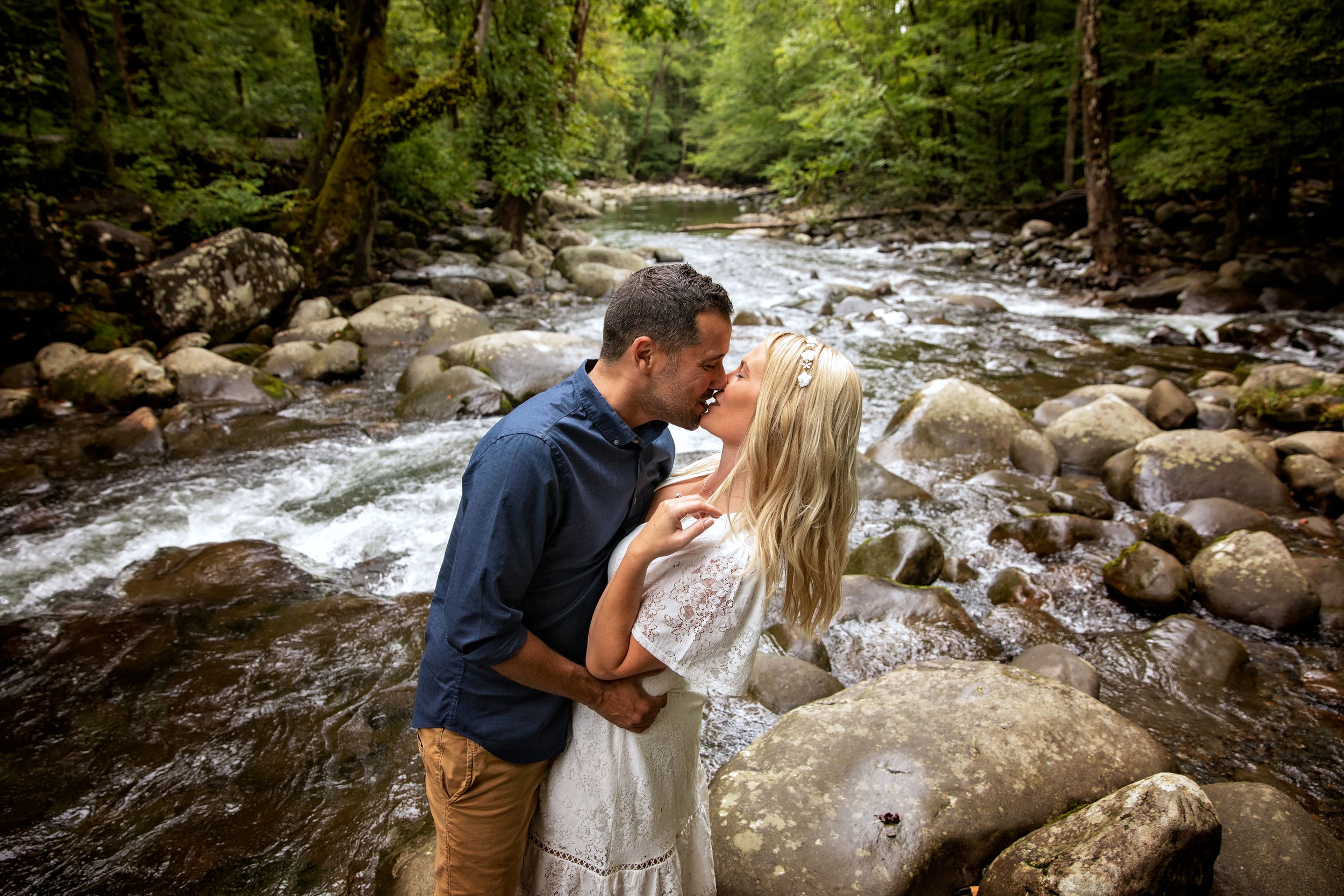 elope-to-gatlinburg-tn-riverside-ceremony.jpg