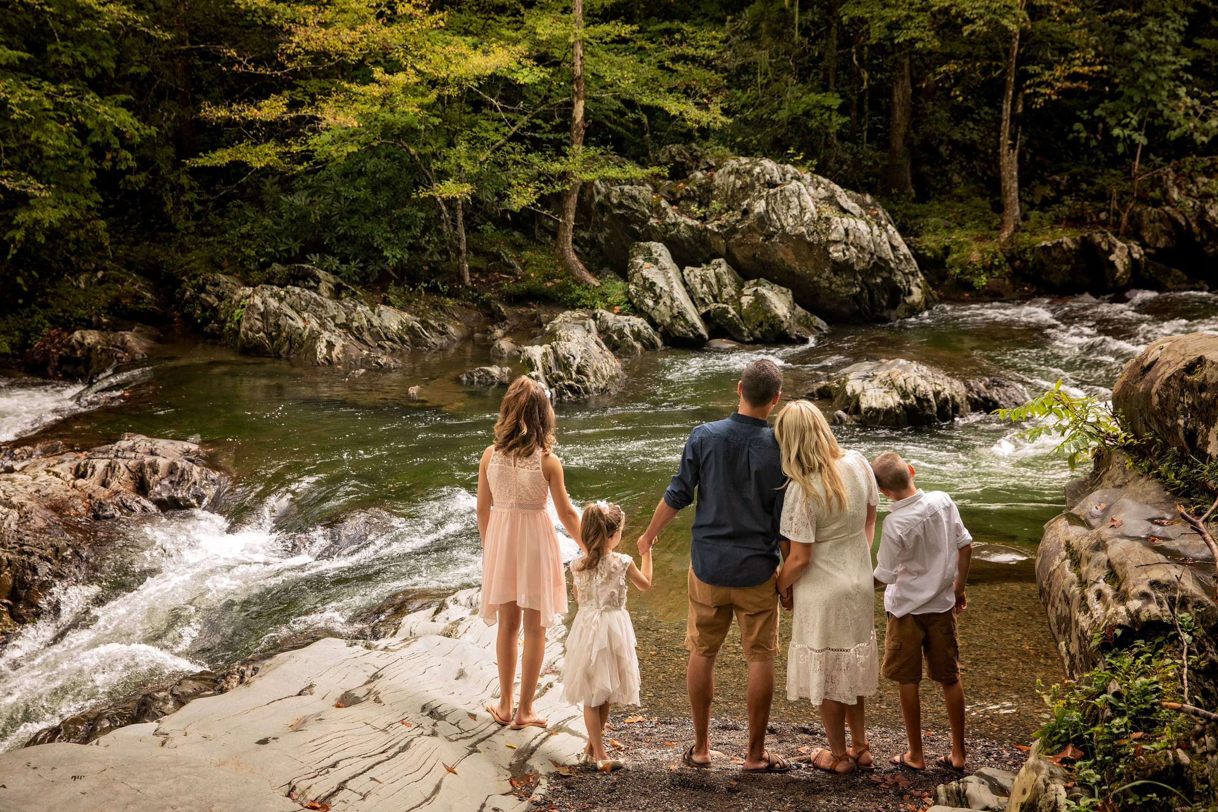 gatlinburg-tn-family-photo-during-elopement-ceremony.jpg