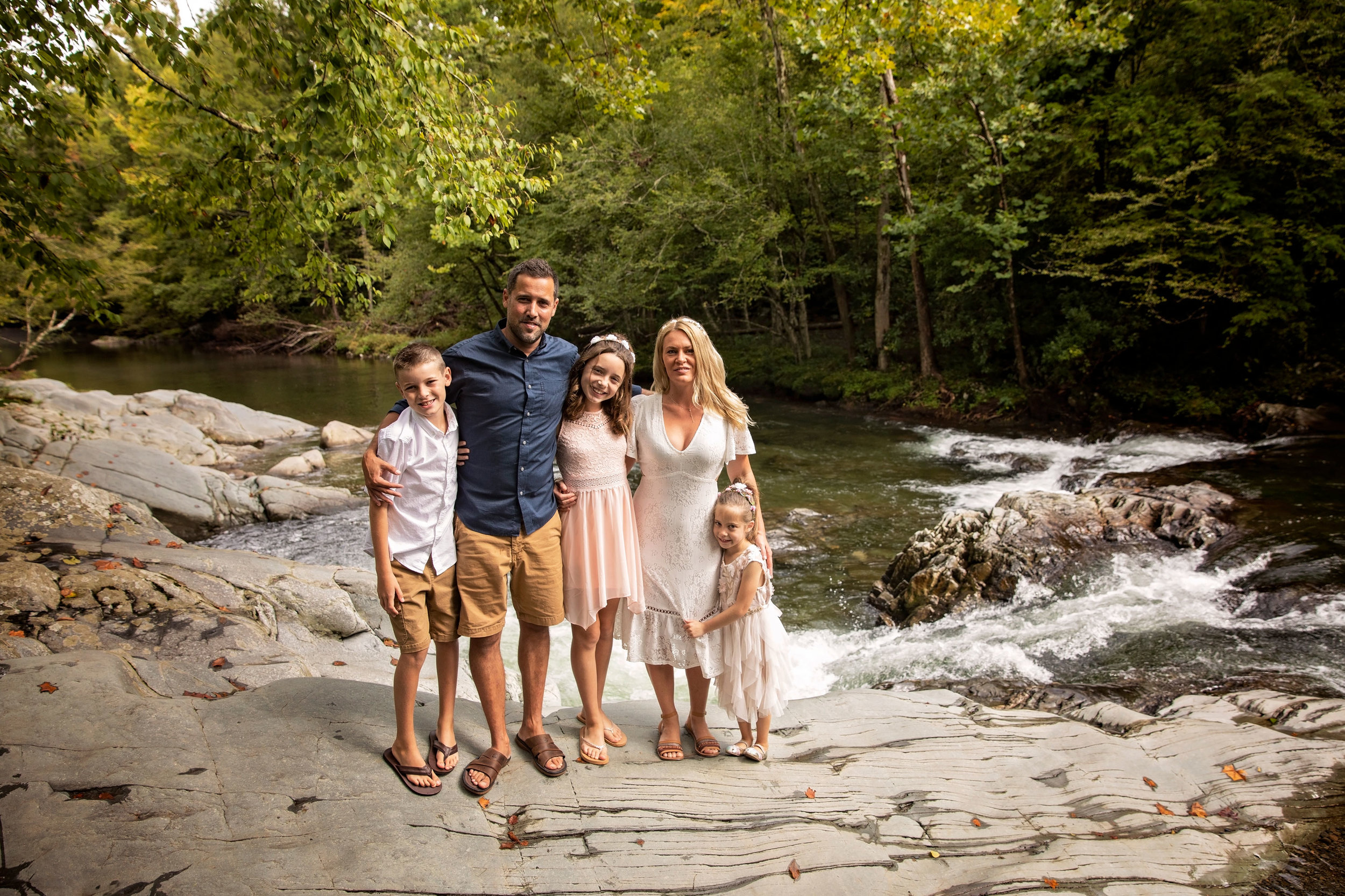 Gatlinburg-tn-photographer-family-picture-during-wedding.jpg