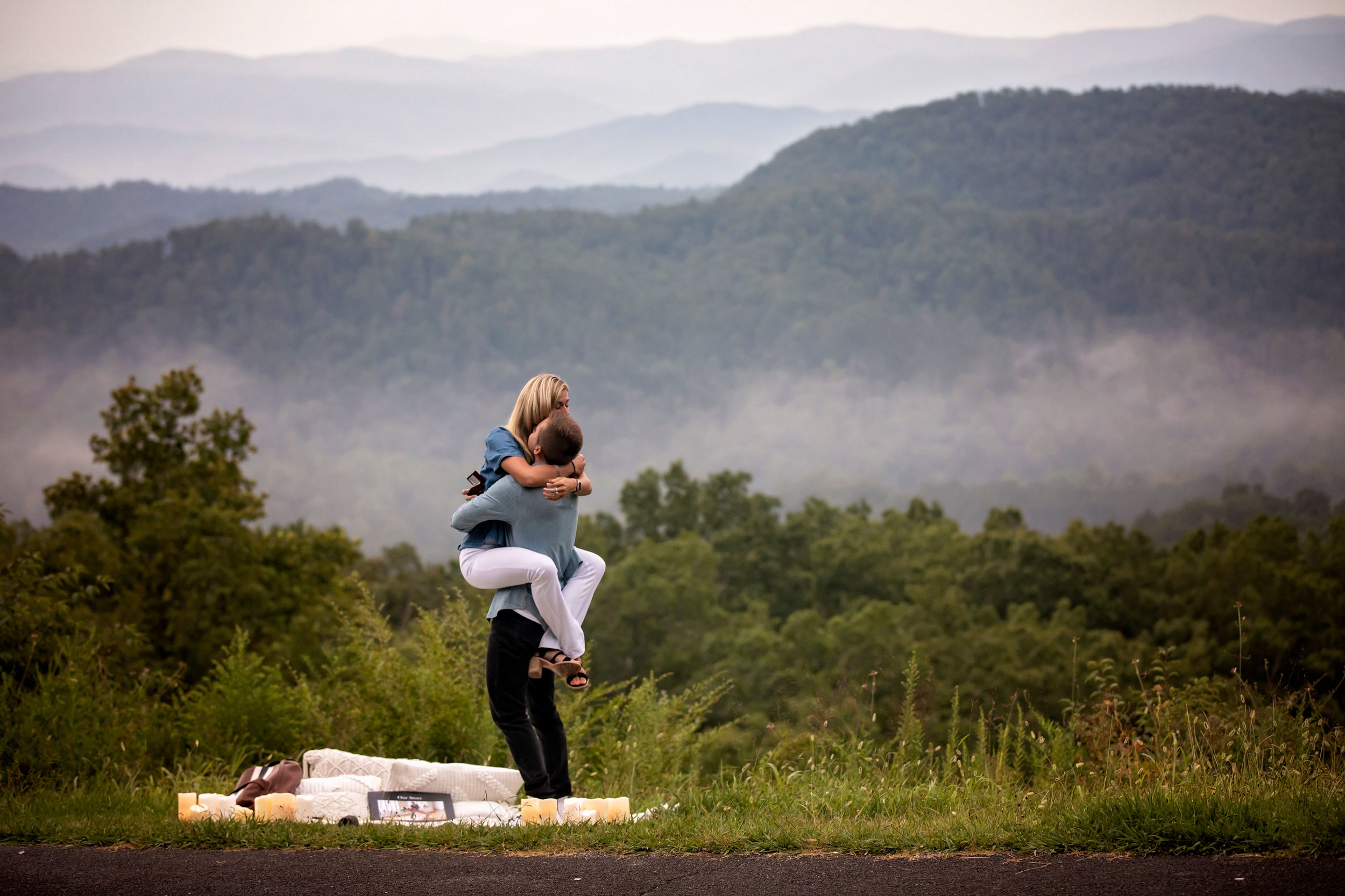 surprise-proposal-gatlinburg-tn-photographer.jpg