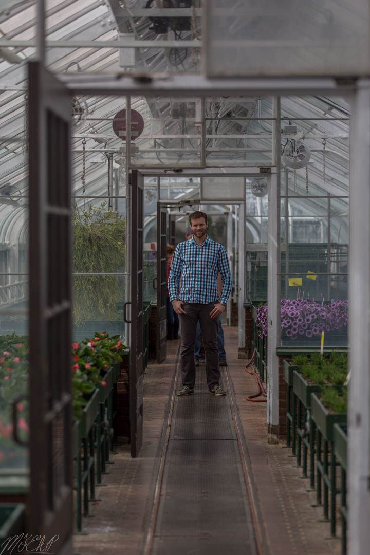 Feels strange not to be wearing gloves and safety glasses in a greenhouse...no I didn't kill any of the plants!