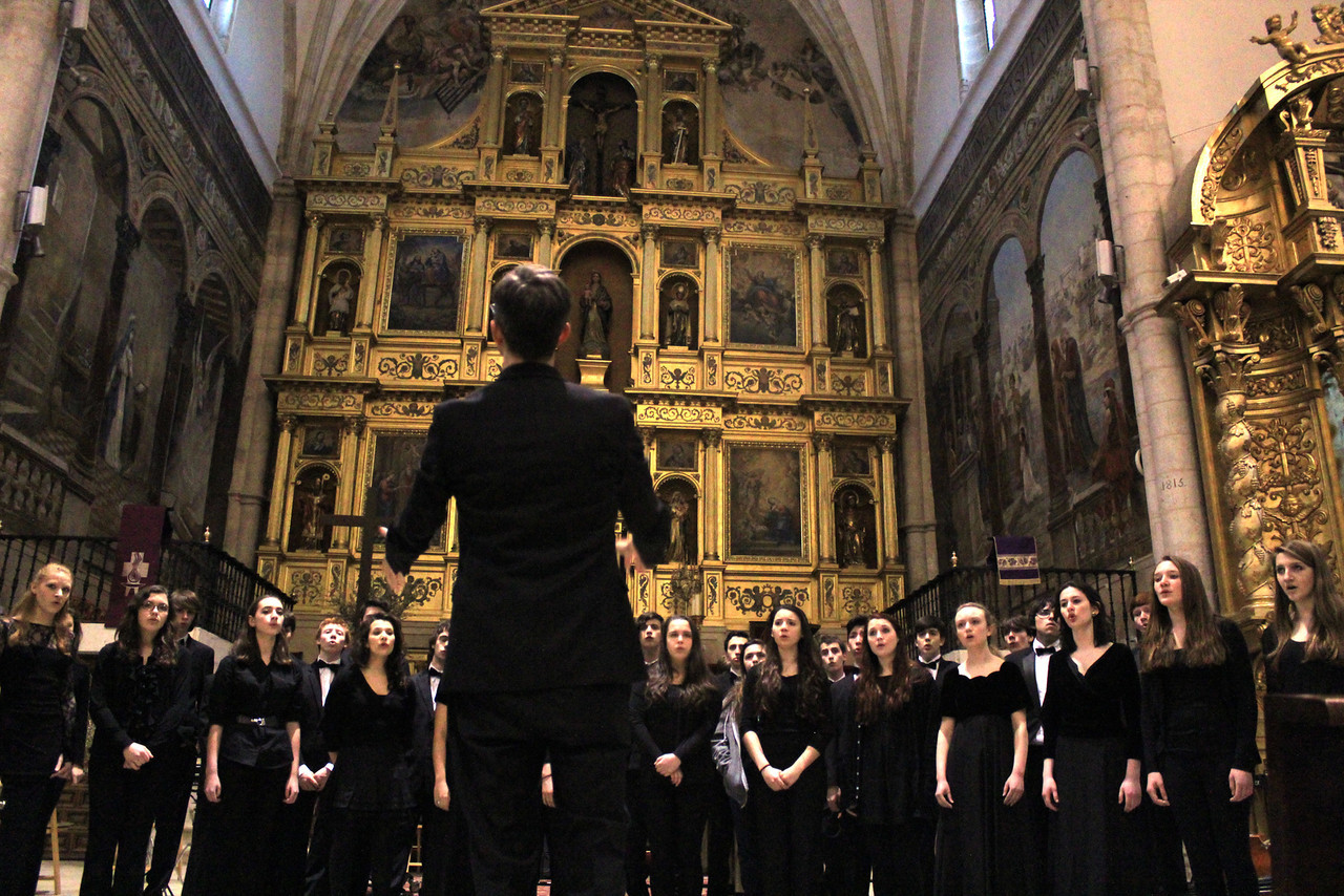 spain choir performing.jpg