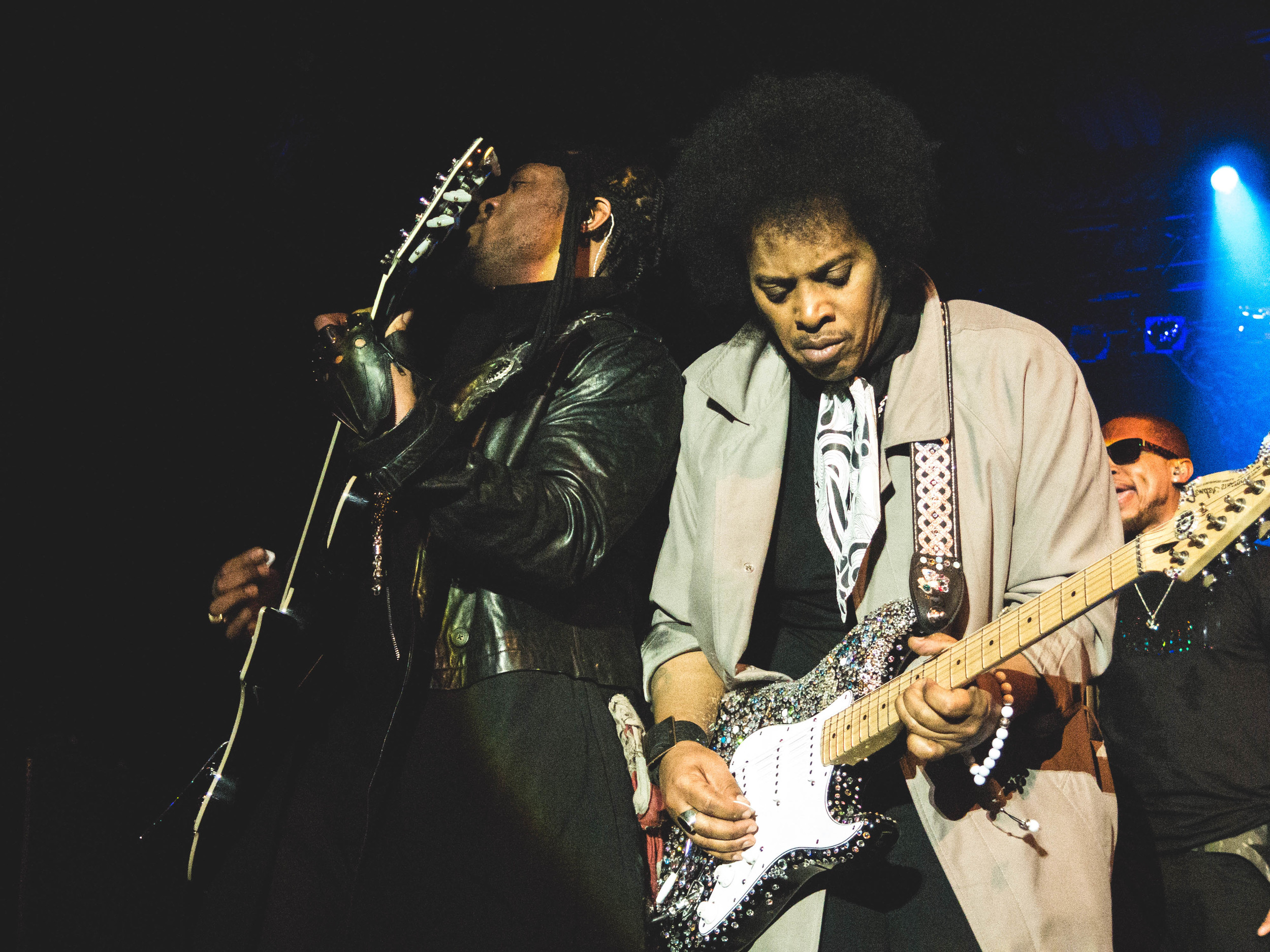 D'Angelo and Jesse Johnson trade guitar licks.