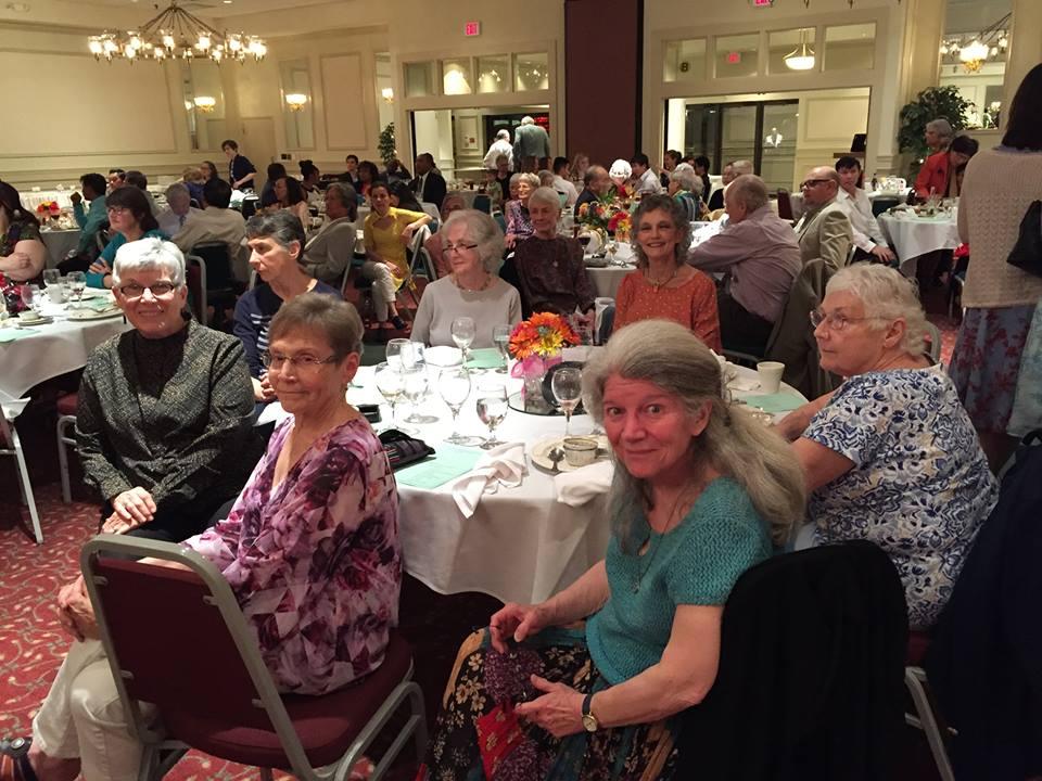 UUs at ECIRMAC dinner 2016.jpg