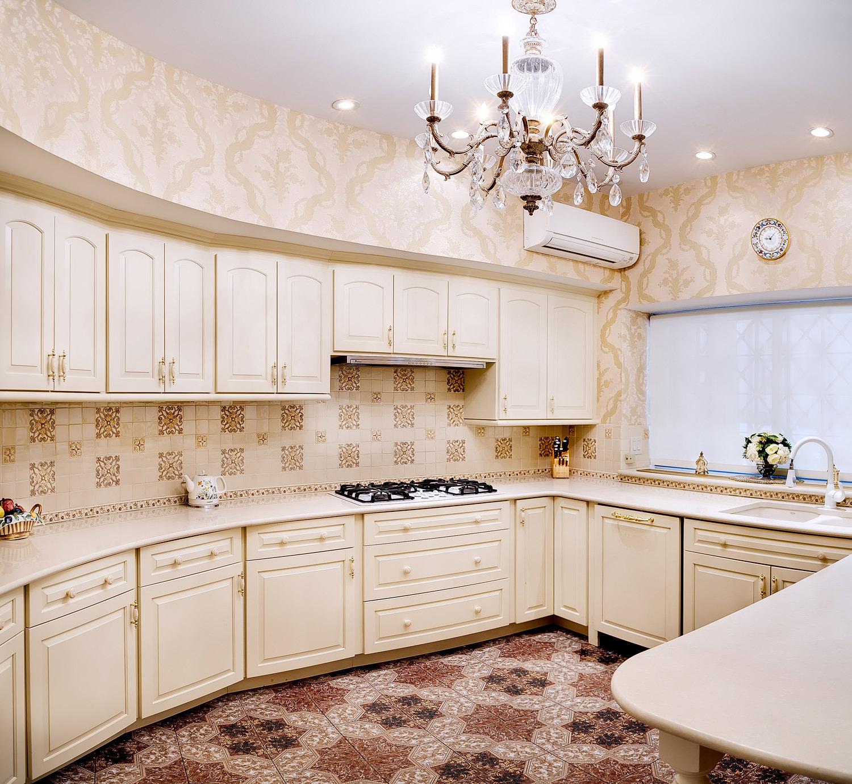 Kitchen-7E69th-Pano.jpg