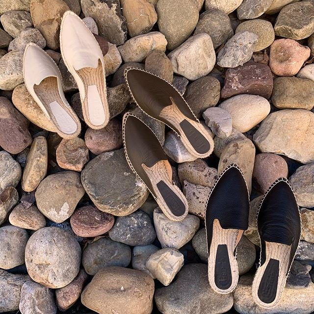 W A L K  T H I S  W A Y . . . #lisabandco #madeinspain #espadrilles #leather #footwear #ladiesfashion #classic #shoes #middleburg #virginia