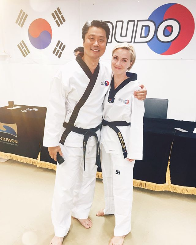 """BOOM!🥋💣🖤 Black Belt First Dan! I'm so proud of myself, so grateful for my stubborn nature to keep on banging my head against that rock. Even though it's f* painful sometimes 😂😅 I really worked my ass off this time and I did it! 💪🏼💥 .  Thank you @jipyolim for, well, everything. Full circle with this amazing teacher who trained me all those years ago, and then took me back in last fall, after my little break of almost 20 years away from TKD.. 👀👋🏽 I know it's such a cliche to say stuff like """"he believed in me when I didn't believe in myself"""", but you know what? That's exactly how this story goes, cliche or no cliche. Thank you for that. 🙏🏽❤️ .  And thank you @_ming.kim for being the best teacher and overall awesomest person ever 😻✨ Much love ❤️ .  Looking forward to train hard this fall together with all the rest of the wonderful teachers and friends at @mudoacademy and @team.academy 🇰🇷💙❤️"""